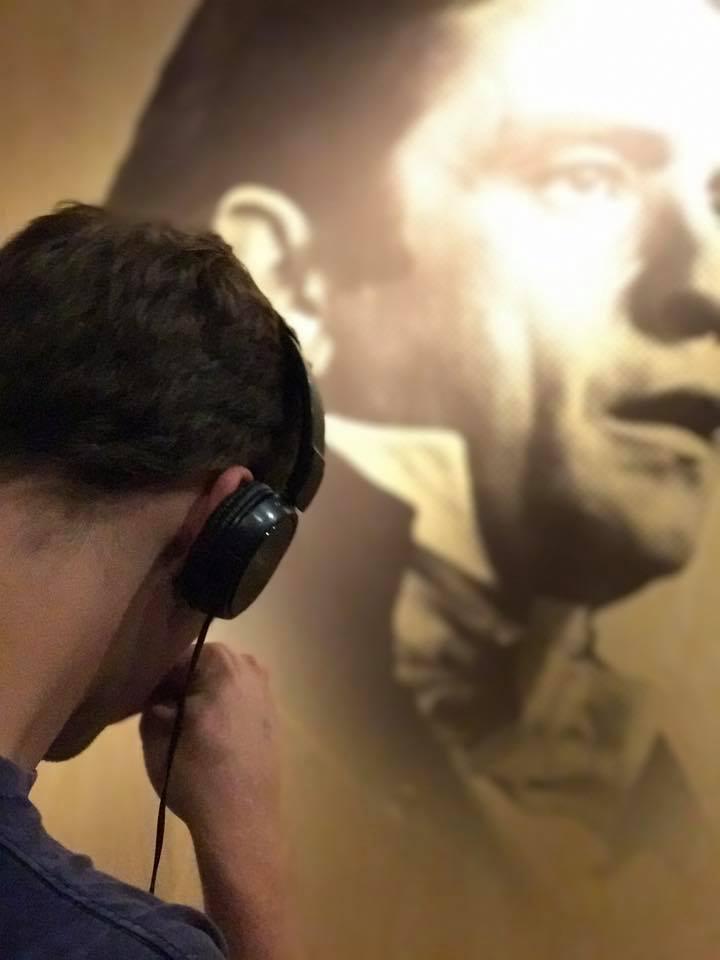 Johnny-Cash-museum-.jpg