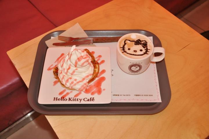 hello-kitty-cafe.jpg