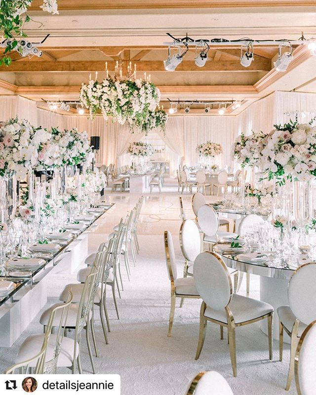 So clean! Love this ballroom  #Repost @detailsjeannie with @make_repost ・・・ A view from across the room @nisiesenchanted @matiasdoorn @revelryeventdesign @thenamelessproductions @wileyvalentine @pelicanhillweddings @the_grovers #aboutdetailsdetails #pelicanhillwedding @em.kunnel @monicafurman4