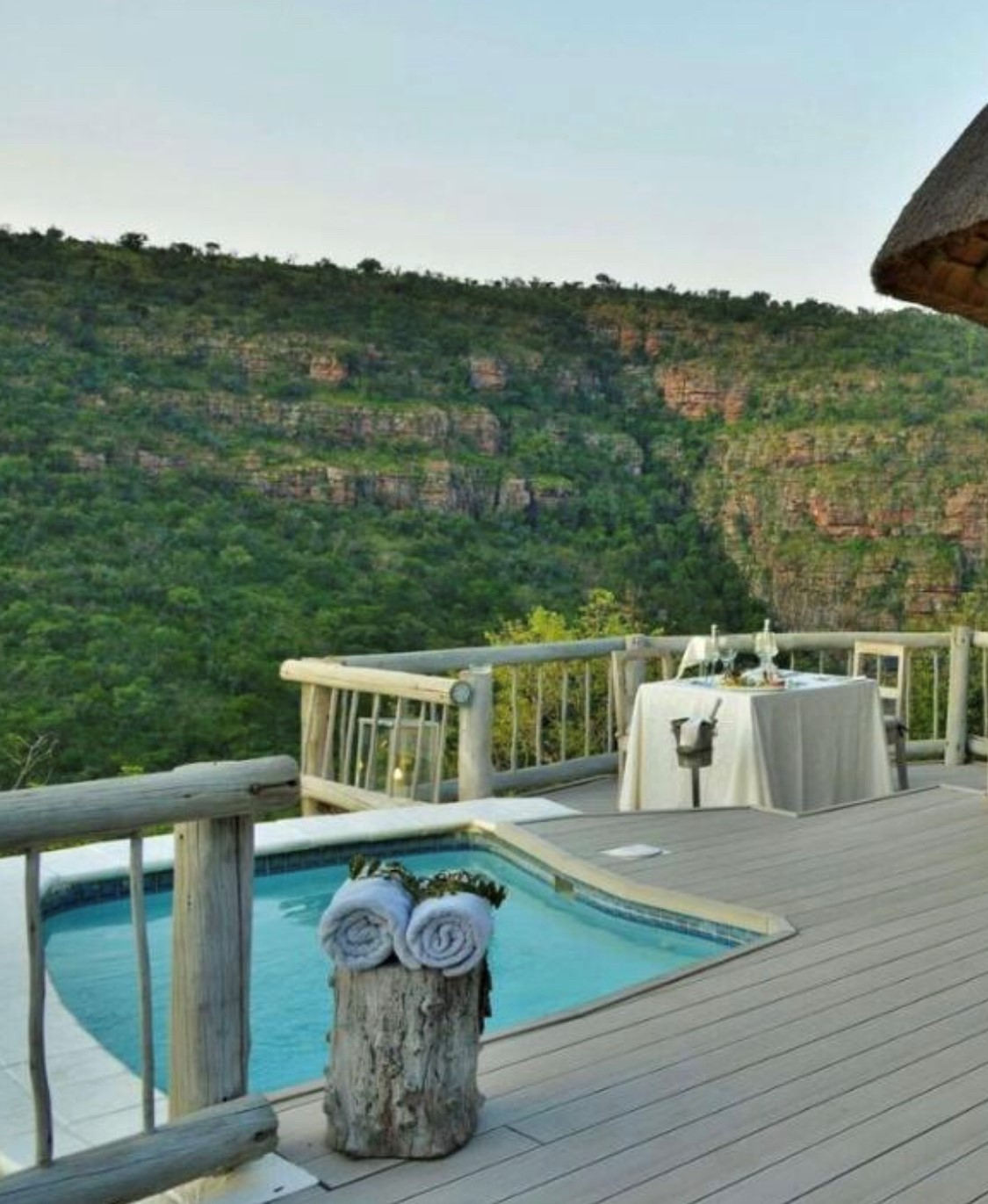 Clifftop Exclusive Game Lodge - Limpopo