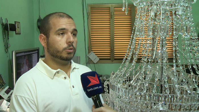 The history of the Ghaxaq chandeliers and their restoration - TVM News - 29/07/2015