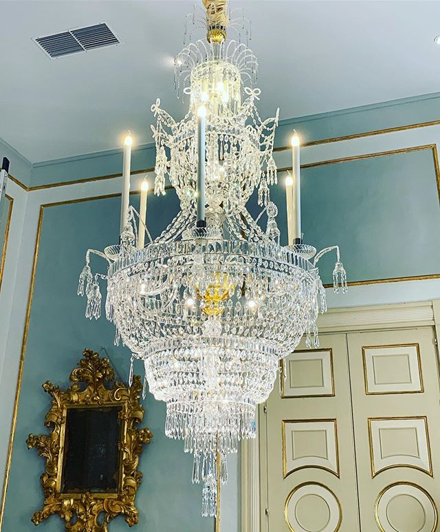 Another Chandelier restored for one of the dinning rooms of the presidential palace. * * * * * * * #mmchandeliers #restoration #crystalchandelier #chandelierrestoration #chandeliercleaning #malta #presidentofmalta #presidentmt