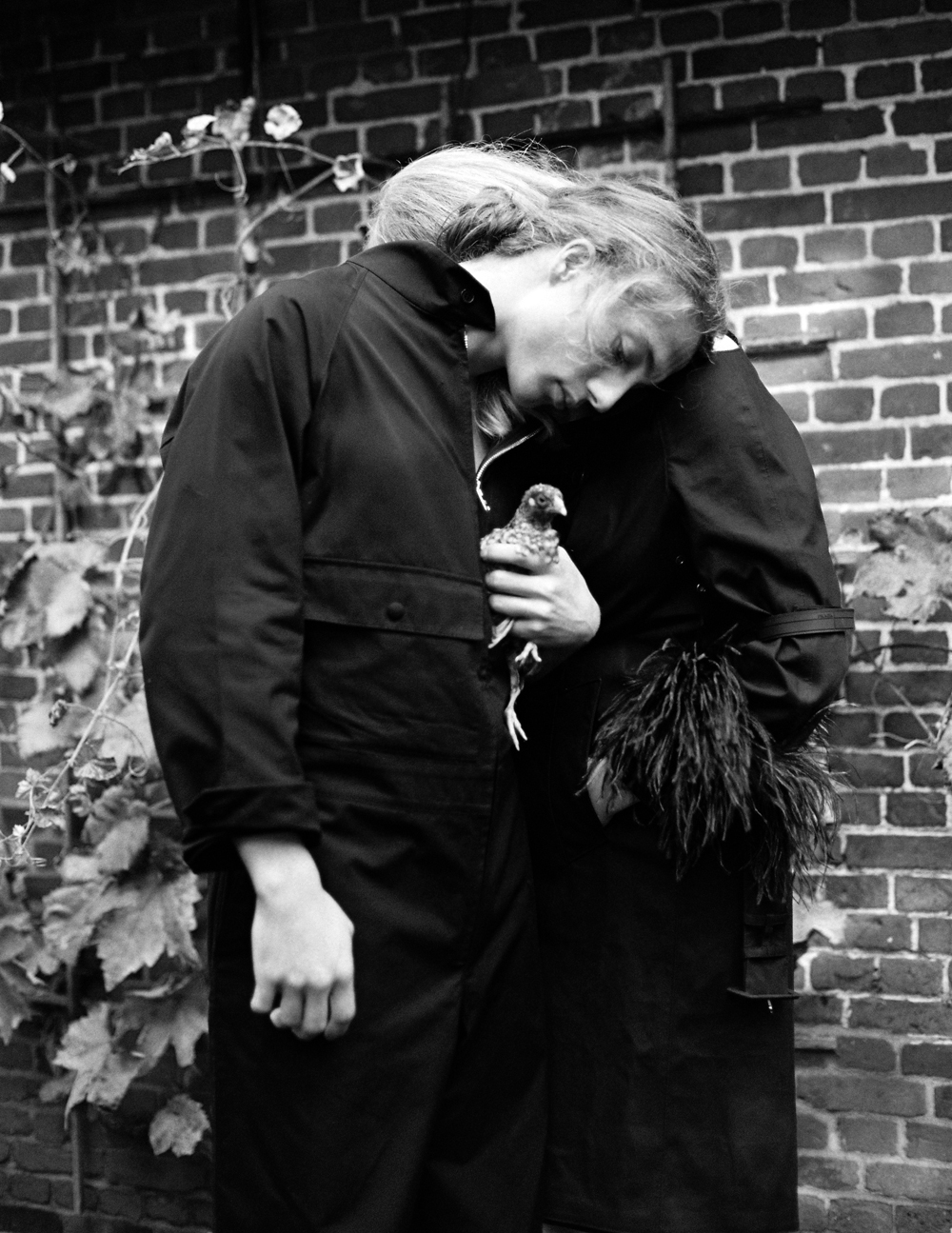 Lou-Schoof-and-Nils-Schoof-by-Onin-Lorente-for-LOfficiel-3.jpg