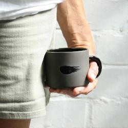 b-p-mug-black-hip-left.jpg