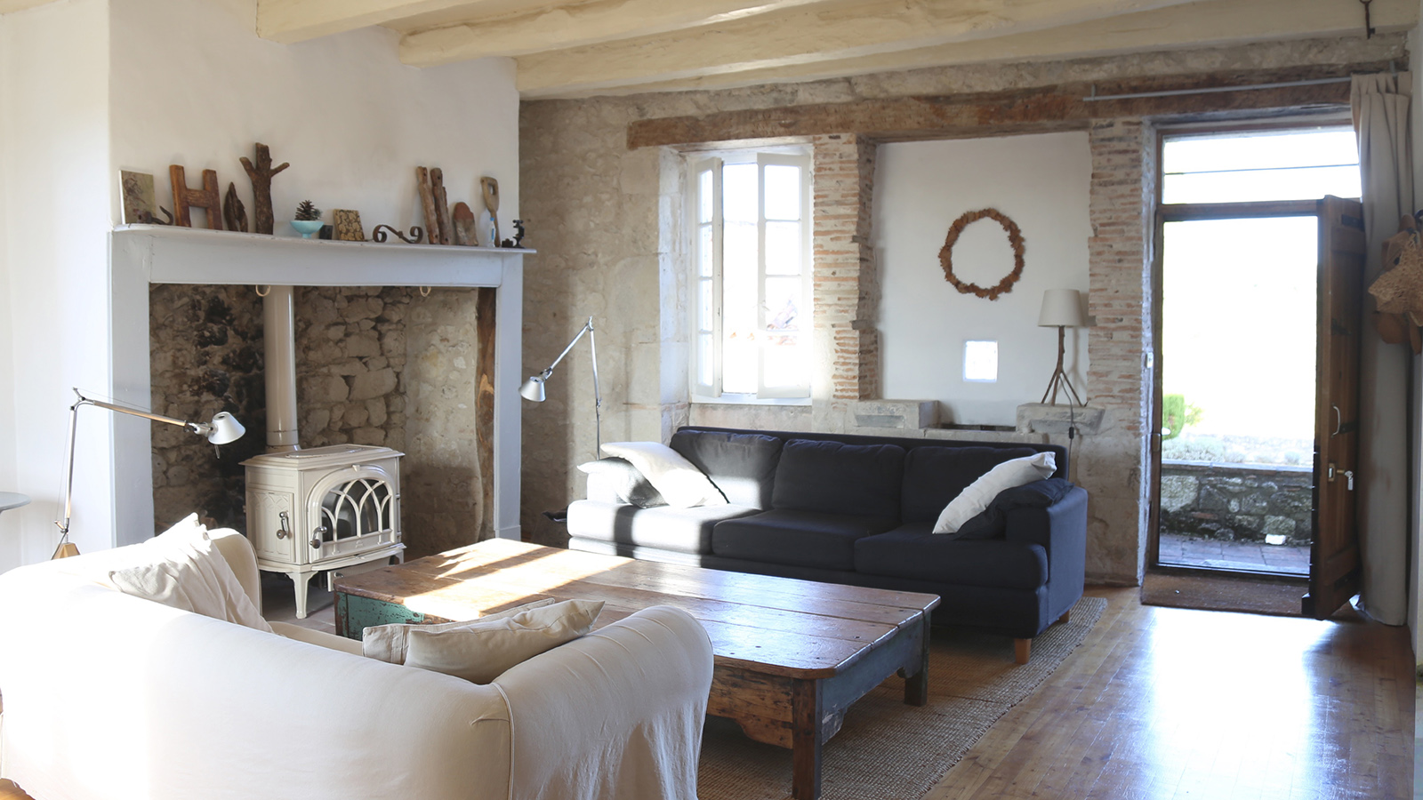 le_rouch_living_room.jpg