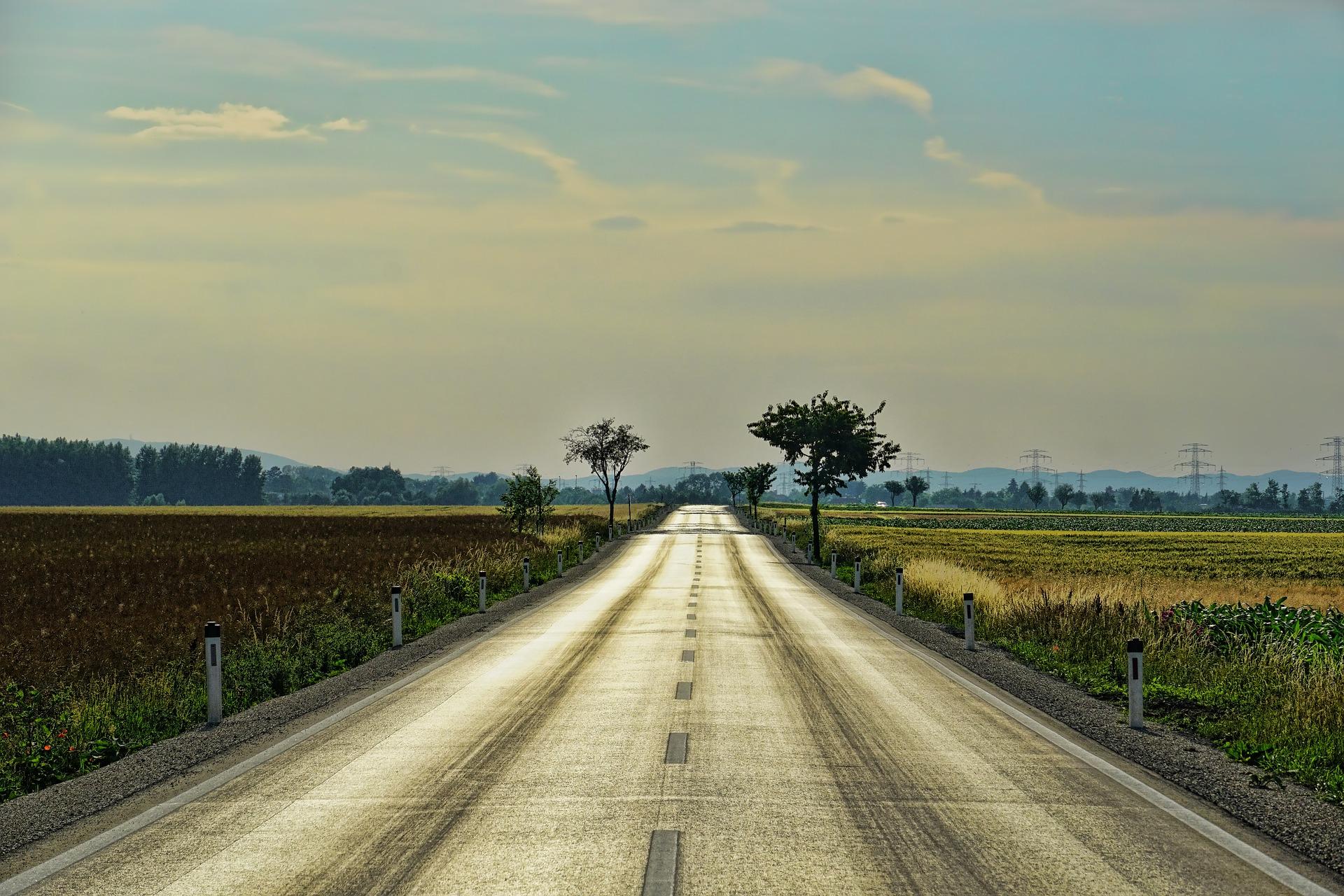 road-3469810_1920.jpg