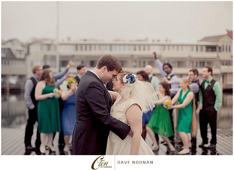 MYSTIC_AQUARIUM_WEDDING_DAVE_NOONAN_FOR_CARLA_TEN_EYCK_PHOTOGRAPHY_0012.jpg