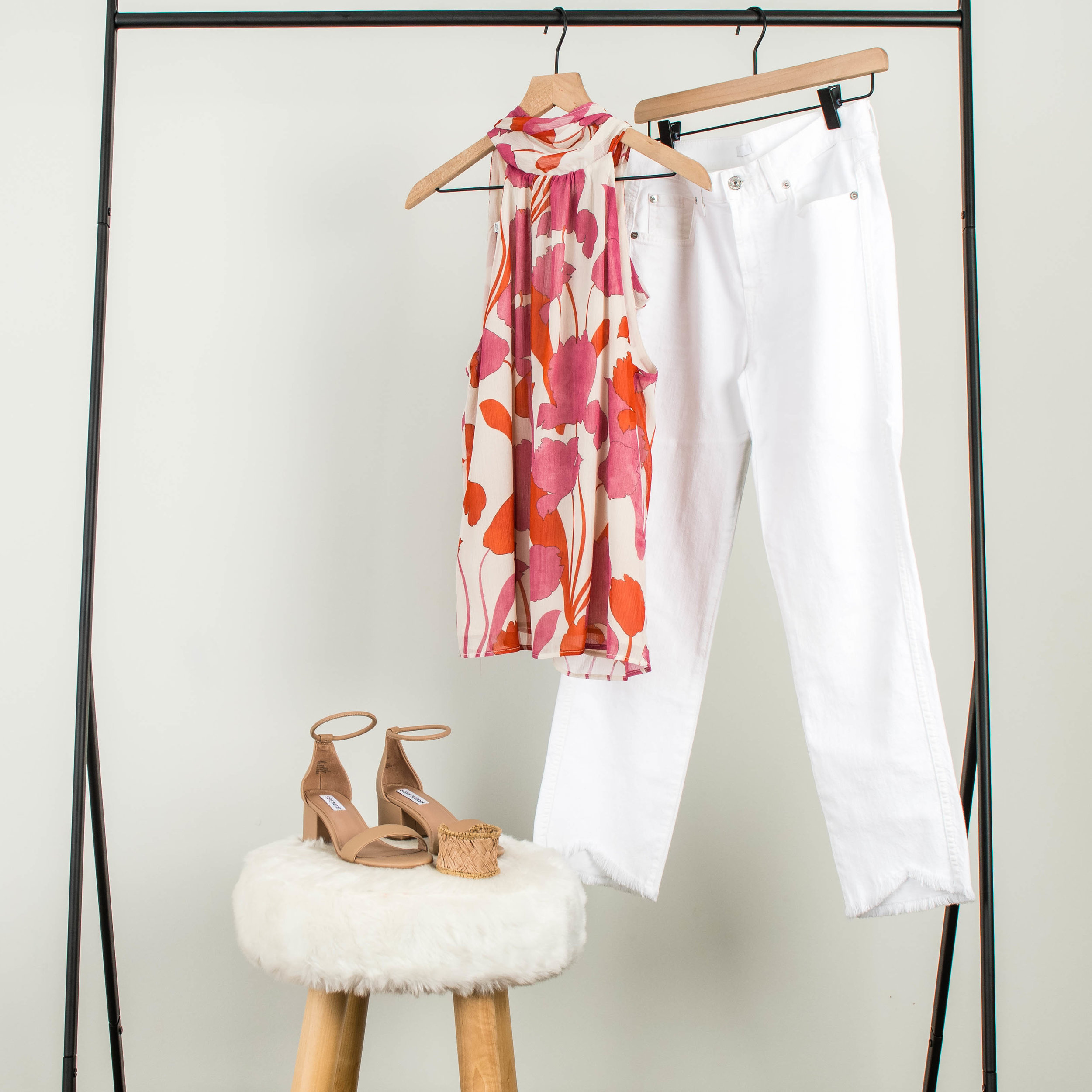 Going out - Mango Floral BlouseCropped White DenimTan SandalsWoven Cuff