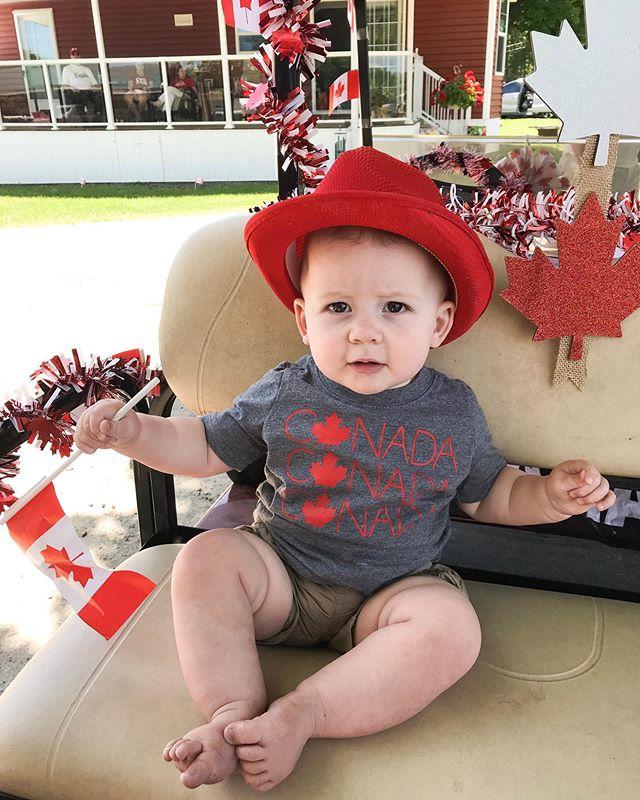 Star of the golf cart parade at the trailer park 🇨🇦 . . . . #canadaday2019 #canadianbaby #canadianmama #canadianmommyblogger #canadianmomtribe #womencanadasupport #canadadayweekend #proudtobecanadian #iamcanadian #canadianblogger #ontarioblogger #wesleyacres #princeedwardcounty #weslake #mylittlemoments #babyboystyle #firstcanadaday