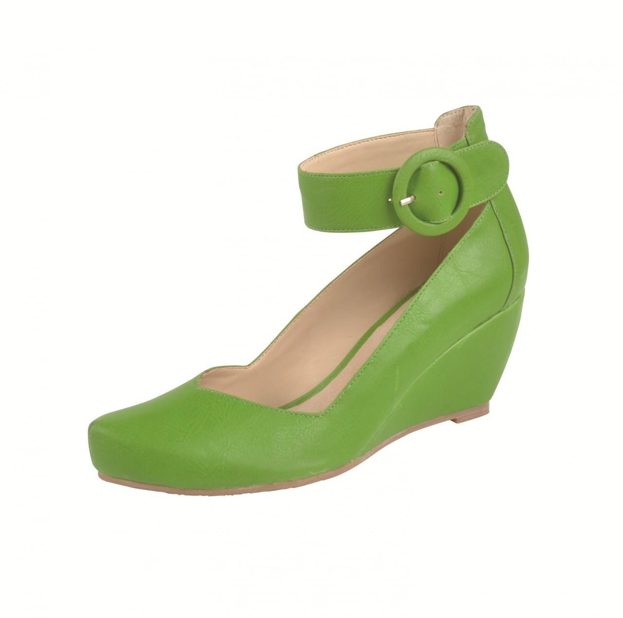 Neuaura Saya Green wedges.