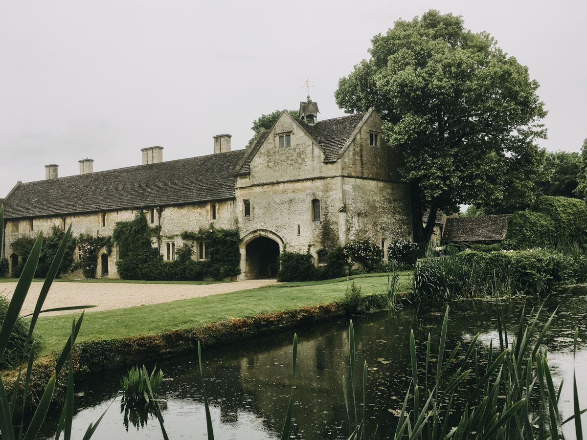 Great_Chalfield_Manor_Wiltshire_01.jpg