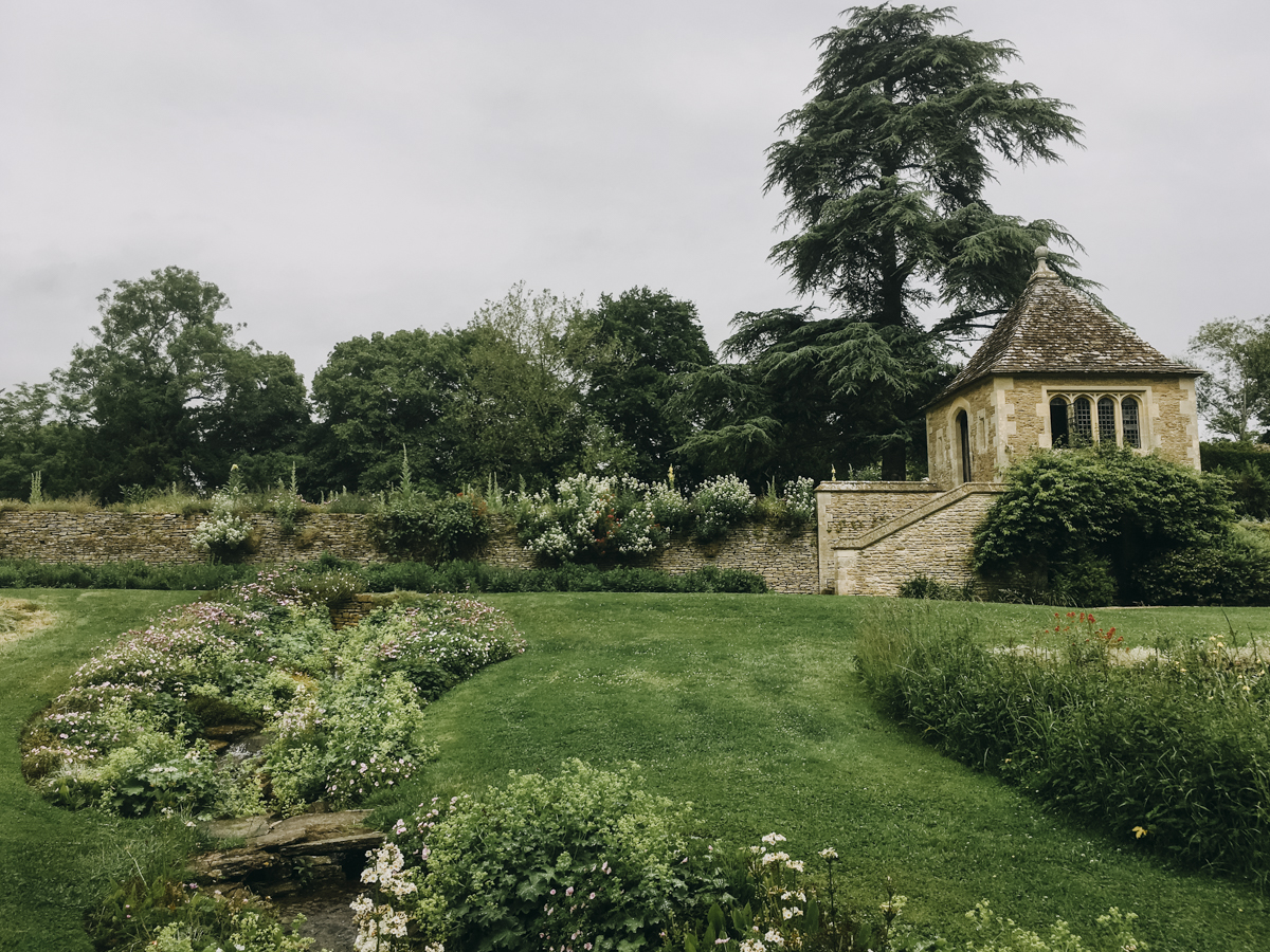 Great_Chalfield_Manor_Wiltshire_07.jpg