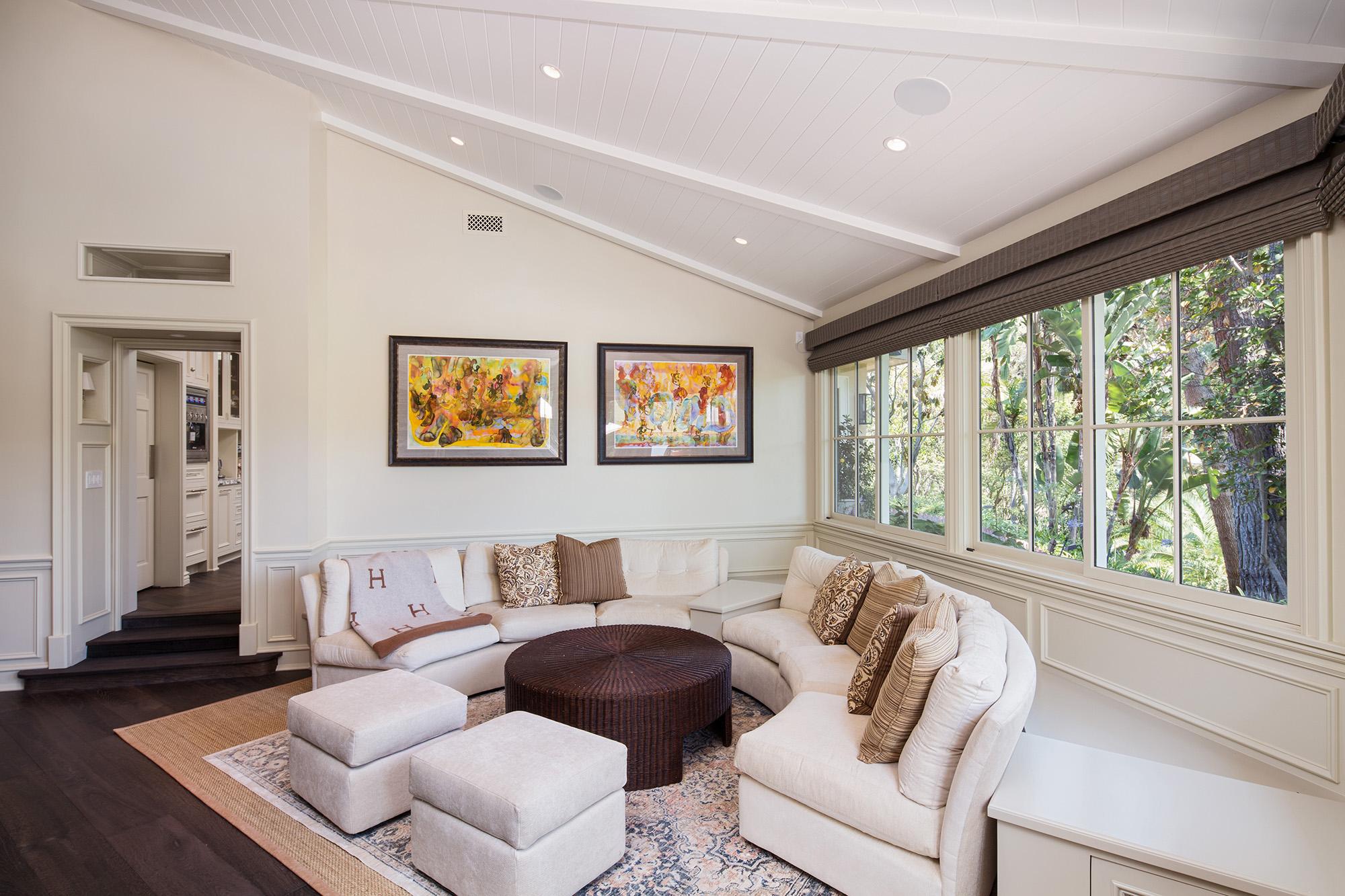 living-room-seating-ceiling.jpg