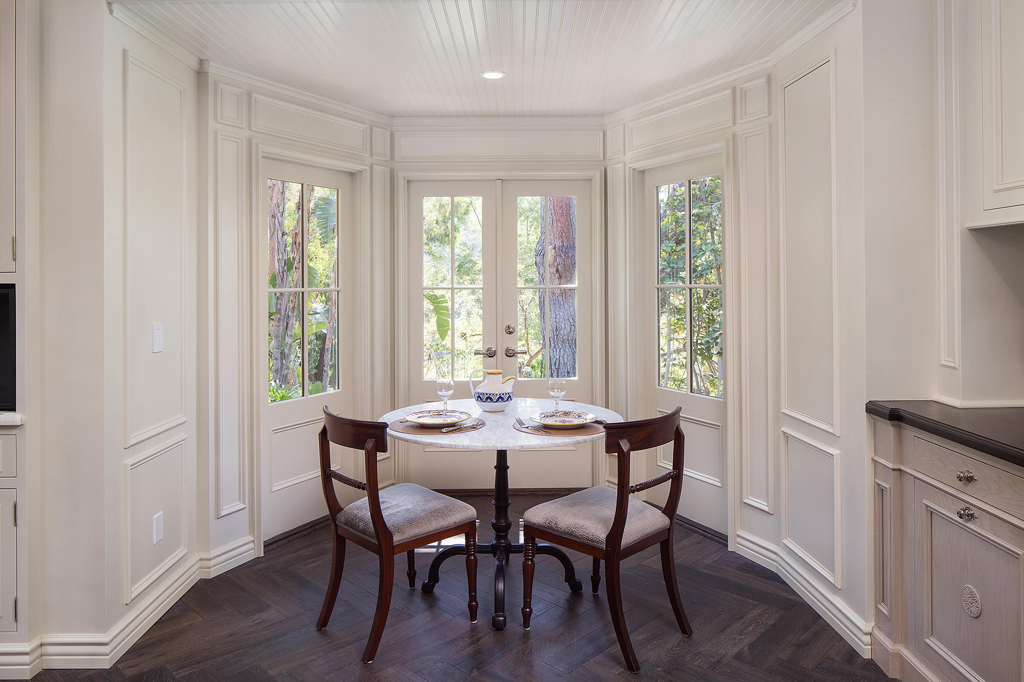 traditional-dining-room-bay-window-chelsea.jpg