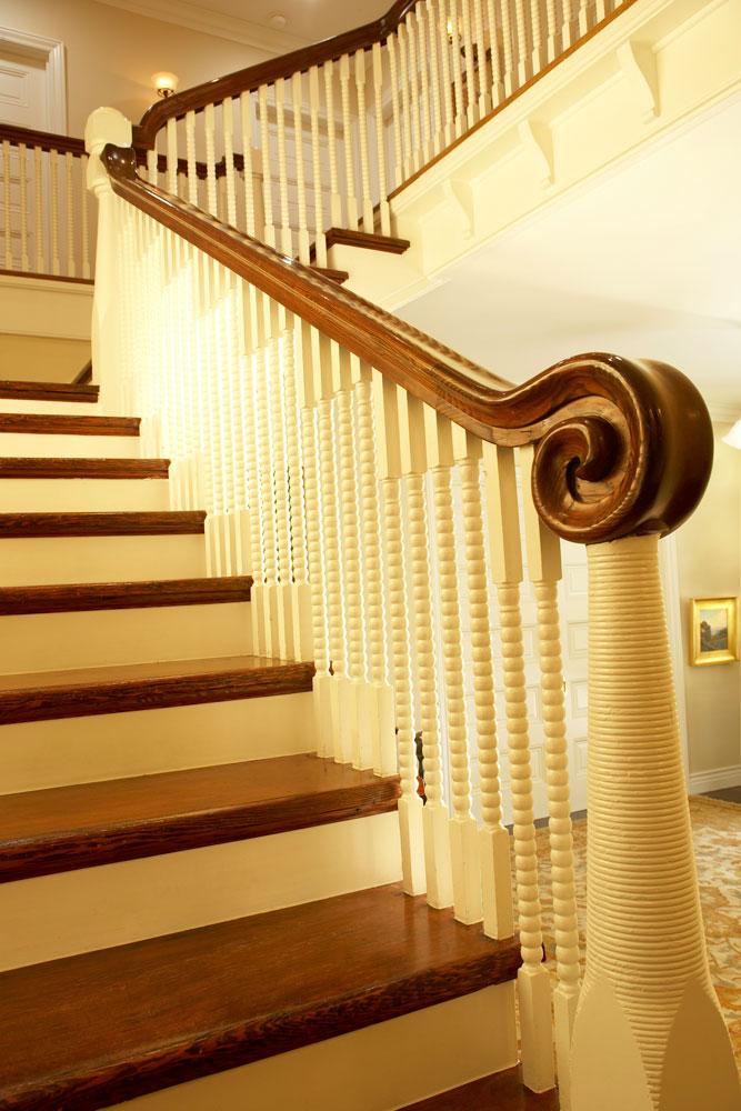 staircase-chelsea-winding.jpg