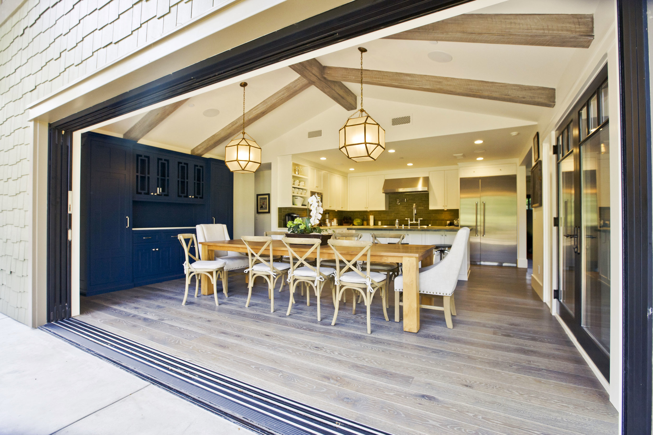 indoor-outdoor-living-sliders-dining-Chelsea.JPG