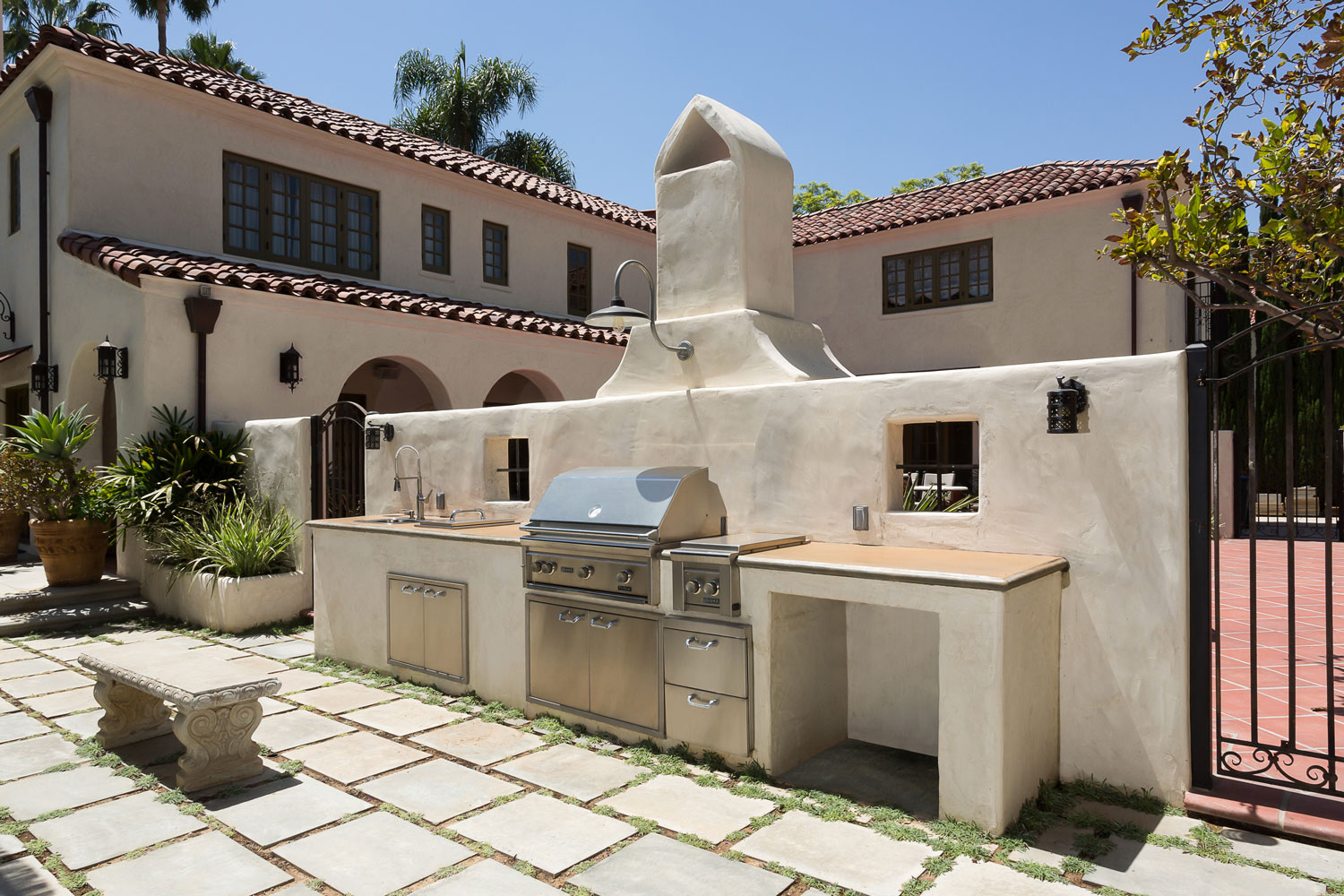 chelsea-outdoor-bbq-barbeque-spanish-style.jpg