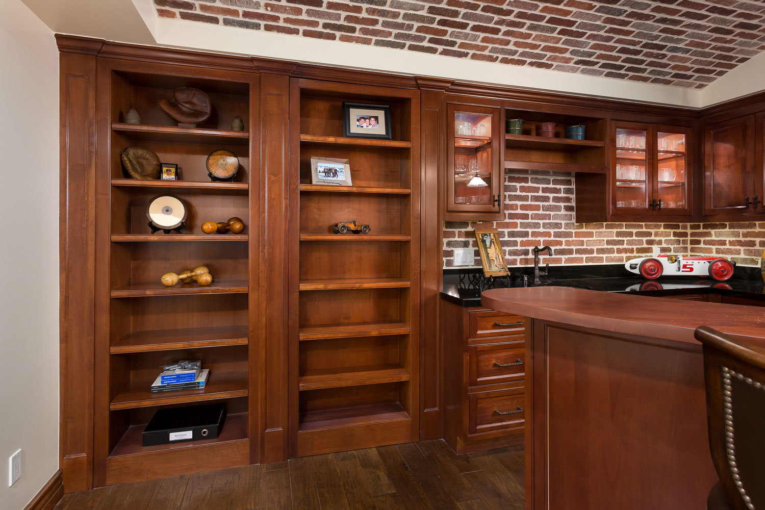 Chelsea-bookcase-bar-builtin-hiddenpassage.jpg