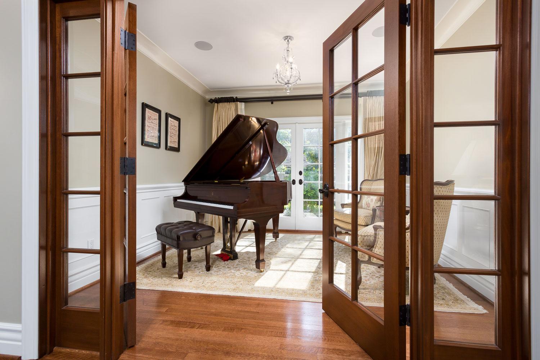 chelsea-piano-room.jpg