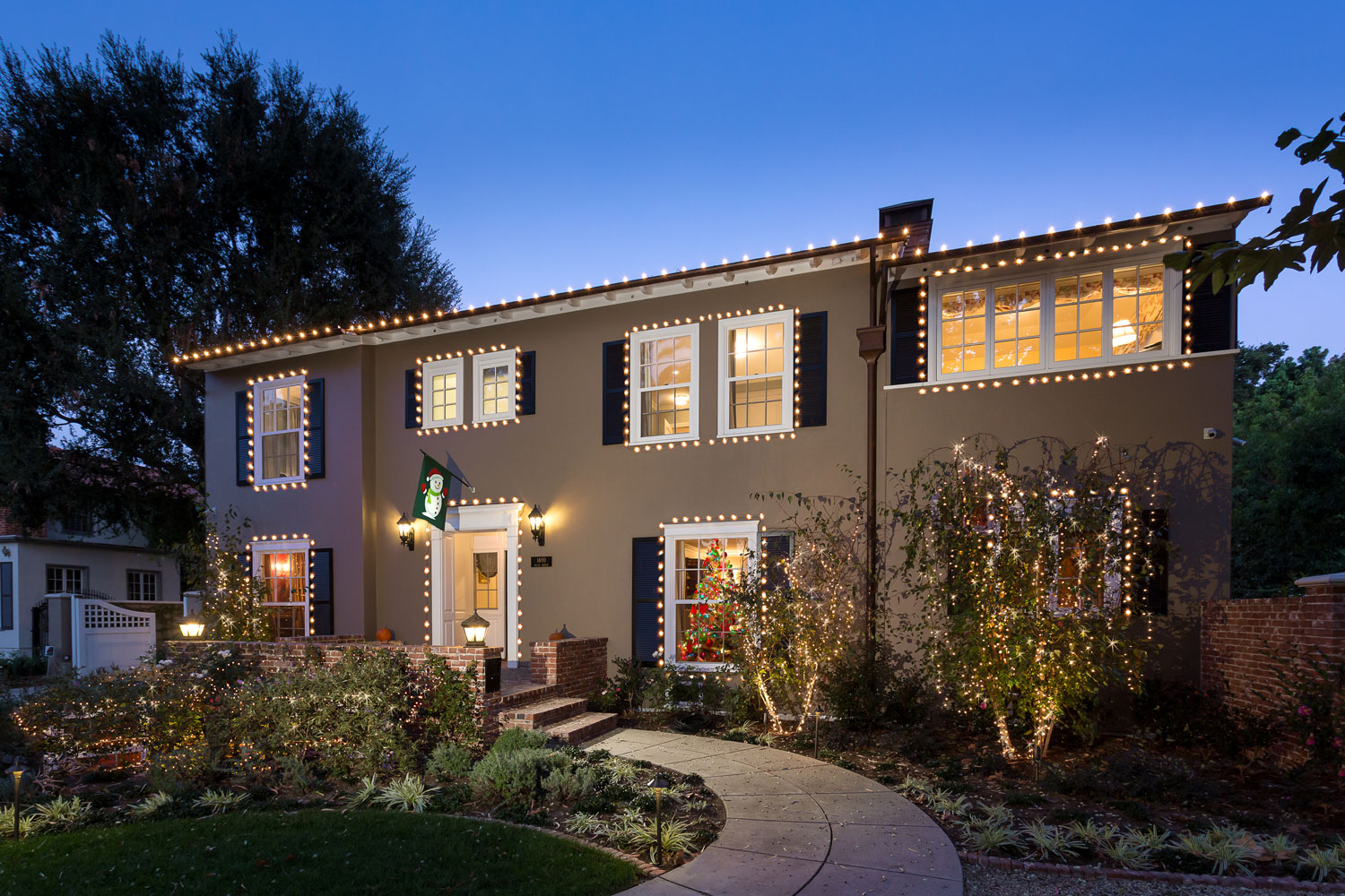 Traditional-exterior-Chelsea-curbappeal.jpg
