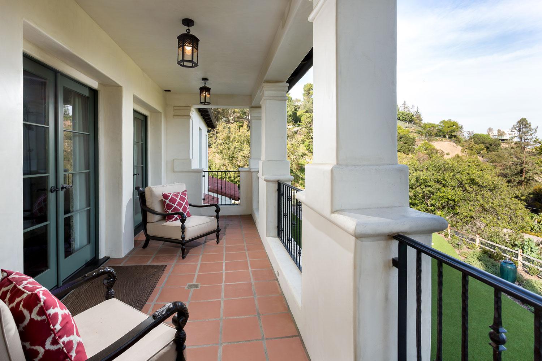 bedroom-master-balcony-chelsea-lawn.jpg
