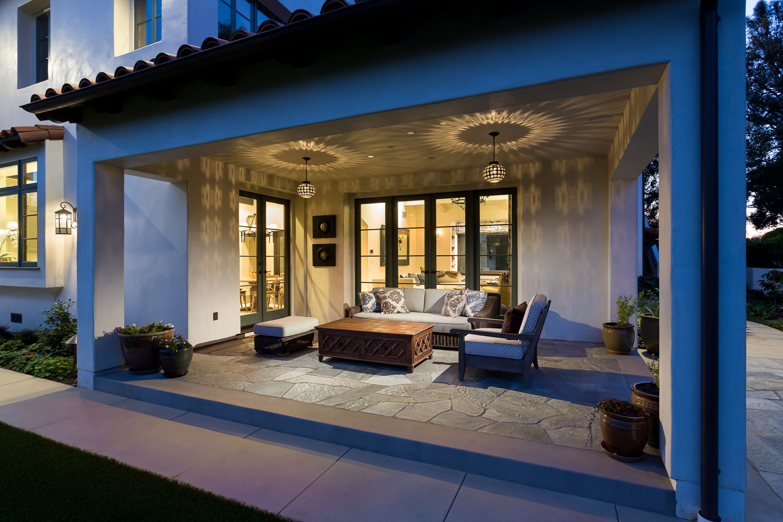 night-patio-chelsea-side-spanish-style.jpg