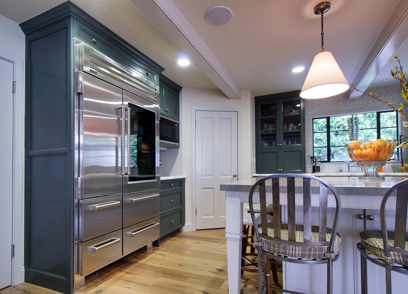 island-chelsea-kitchen-modern-appliances.jpg