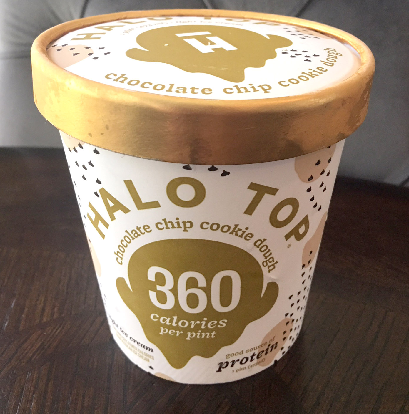 // Halo Top - Chocolate Chip Cookie Dough Ice Cream