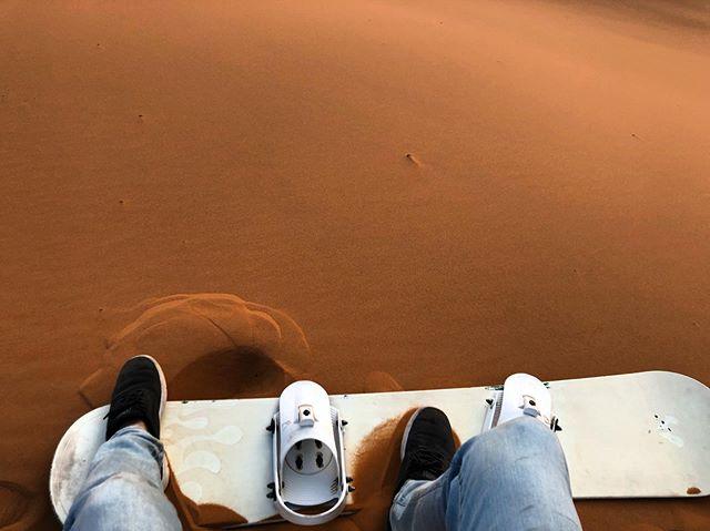 Shredding the dunes 🤙🏻#underwhelming #doesntreallywork #sahara #saharadesert #morocco