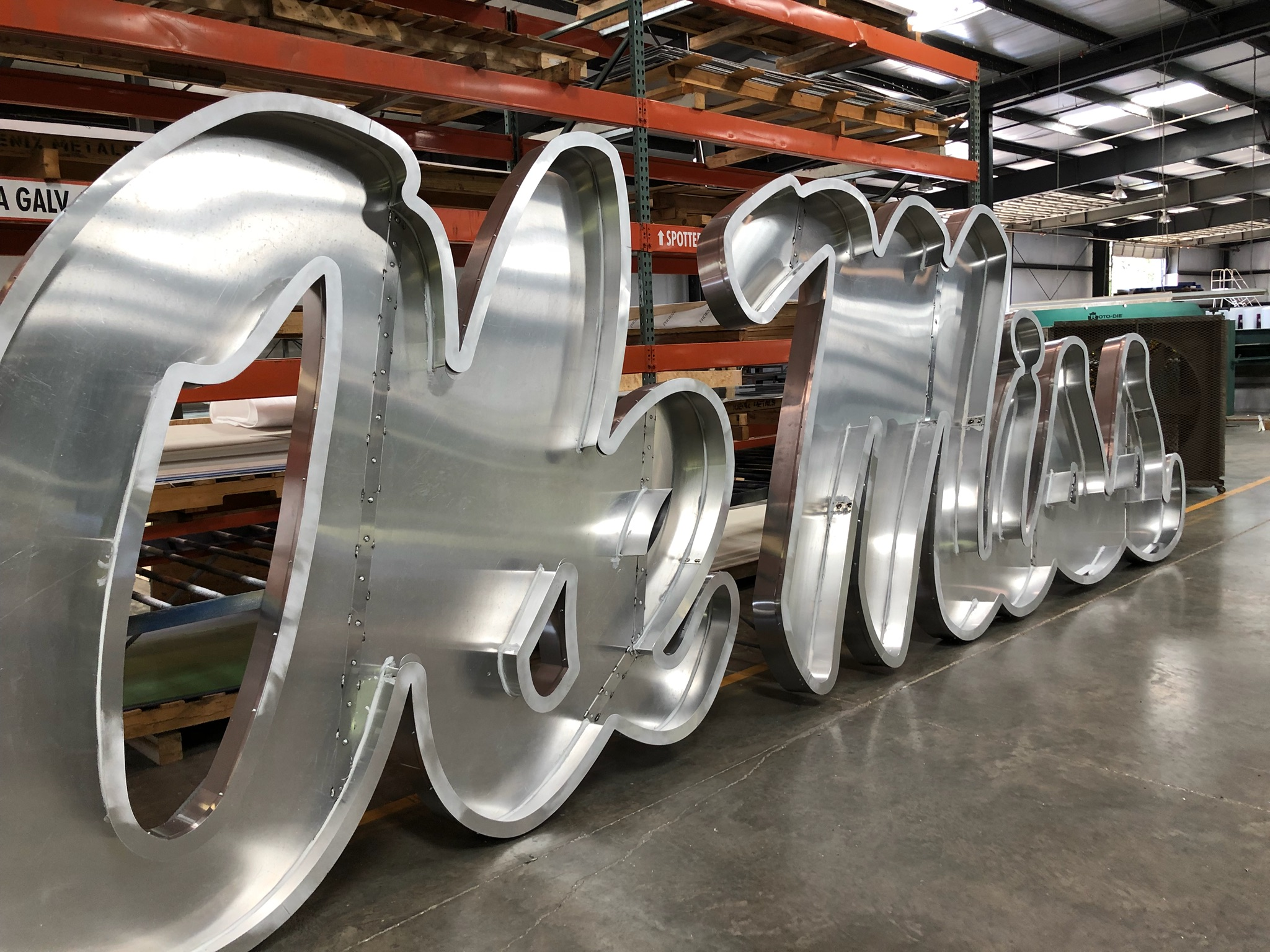 Ole-Miss_Stadium-Signage-Dimensional-Logos-Letters_Oxford-MS_7 ..