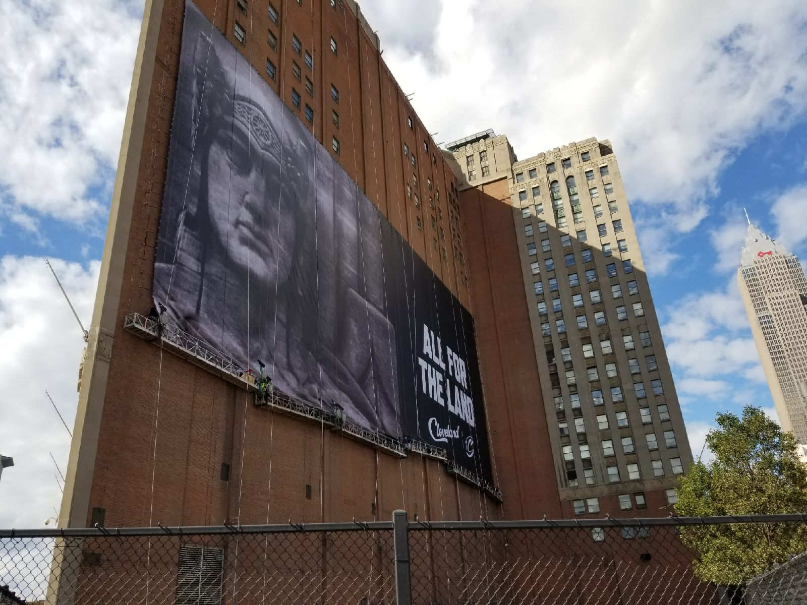 Cleveland-Cavaliers_Building-Wrap_LSIGraphics_Memphis-TN_3 ..