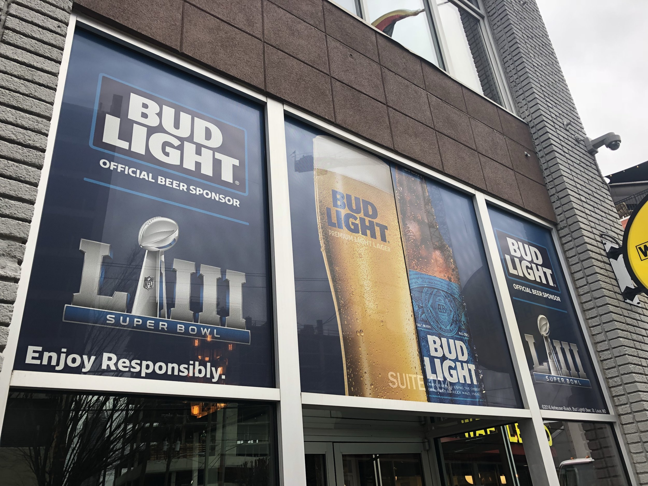Anheuser-Busch-Super-Bowl-LIII_Twin-Smokers-Restaurant_Window-Graphics_Events_LSIGraphics_Atlanta-GA_2 ..