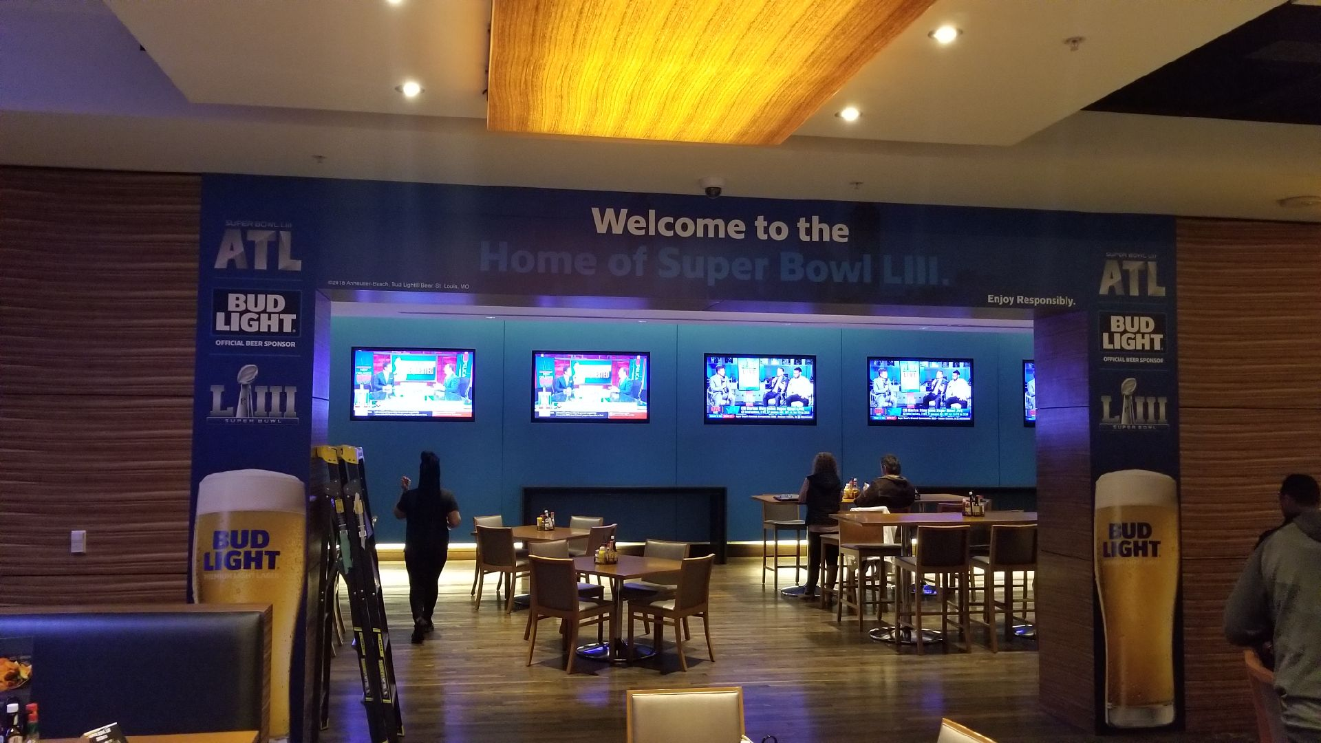 Anheuser-Busch-Super-Bowl-LIII_Marriott-Hotel_Window-Graphics_Events_LSIGraphics_Atlanta-GA ..