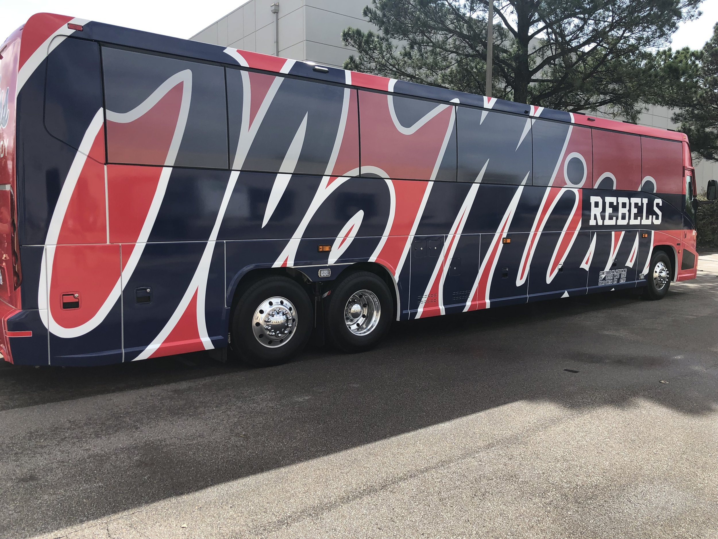 Ole-Miss-Bus-Wrap_Vehicle-Wrap_Full-Wrap_Side_Finished-Product ..