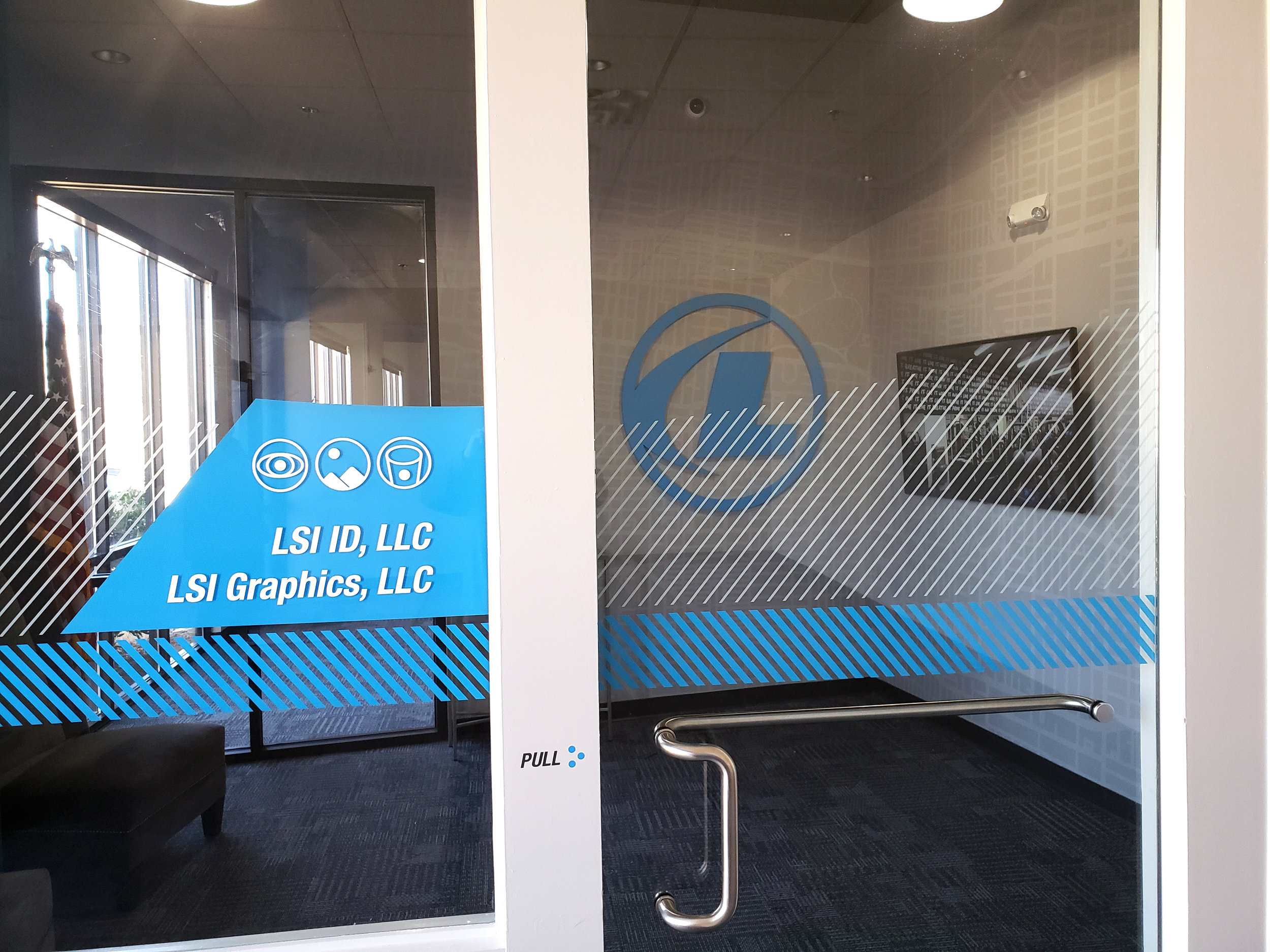 LSIGraphics-National-Headquarters_Wall-Wrap_Dimensional-Logo_Window-Graphics_Memphis-TN ..