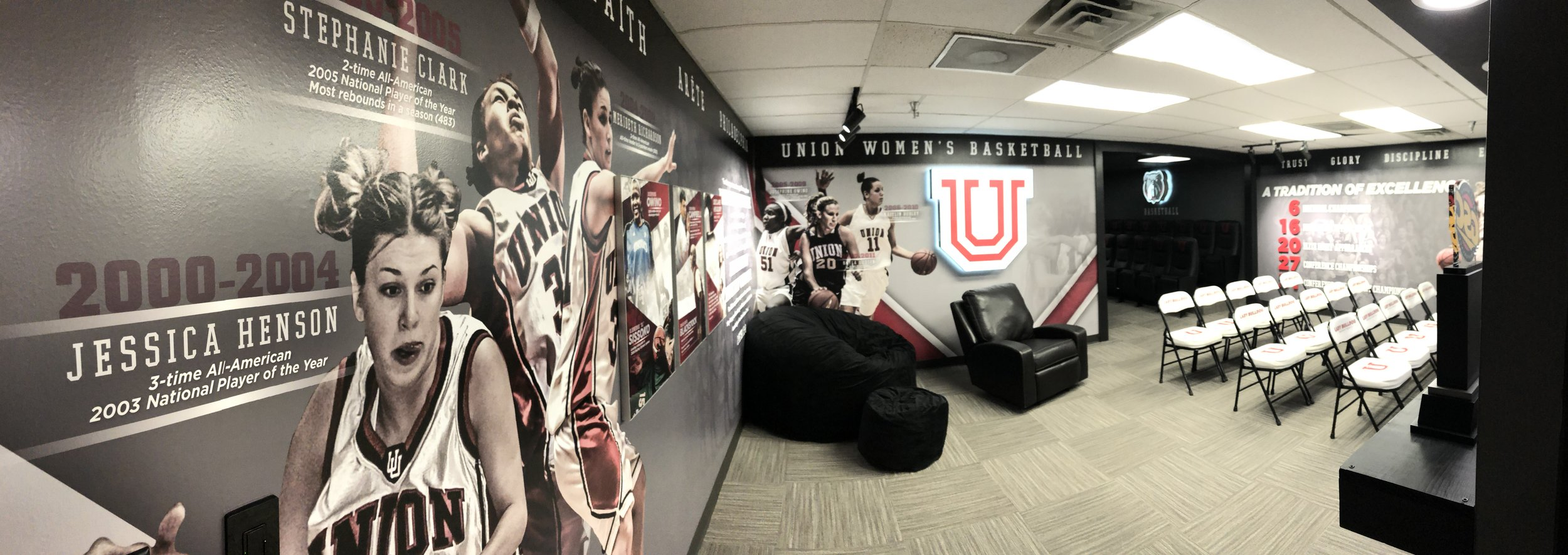 After-Union-University_Womens-Basketball-Locker-Room_Interior-Branding_LSIGraphics_Memphis-TN-15 ..