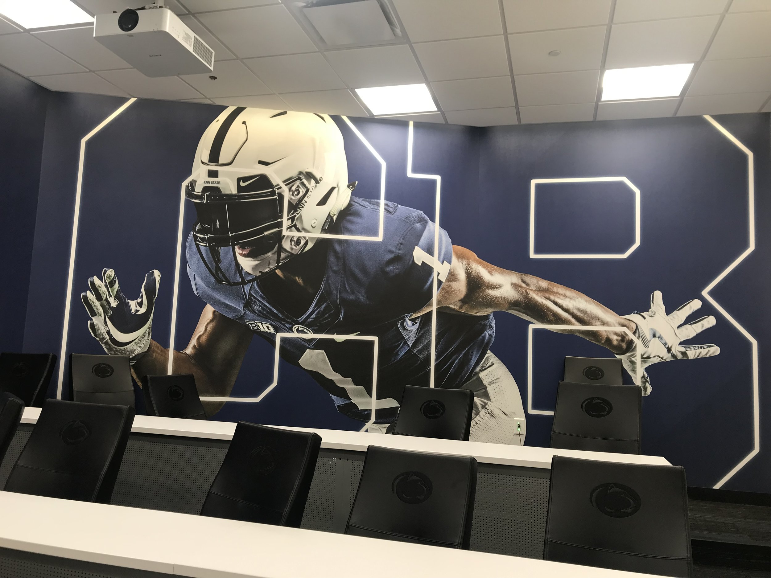 Penn-State-University_Football-Facility_Interior-Graphics_Branding_LSIGraphics ..