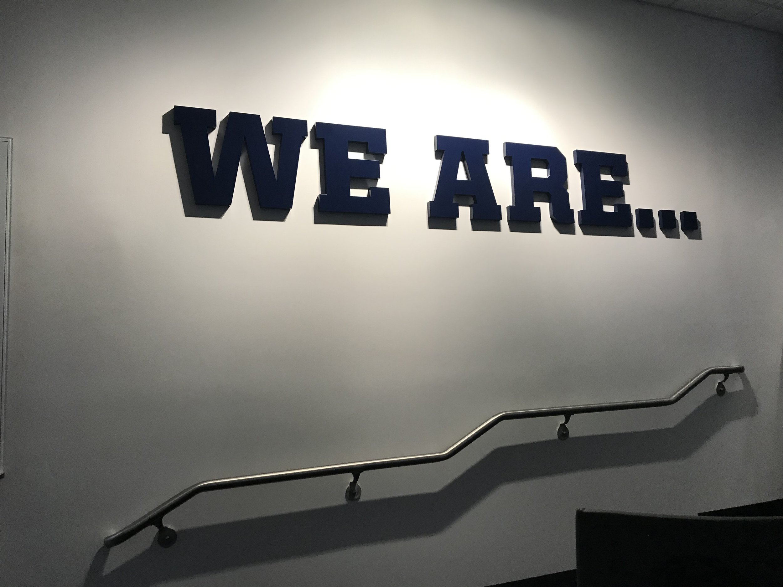 Penn-State-University_Football-Facility_Interior-Graphics_Branding_LSIGraphics-3 ..