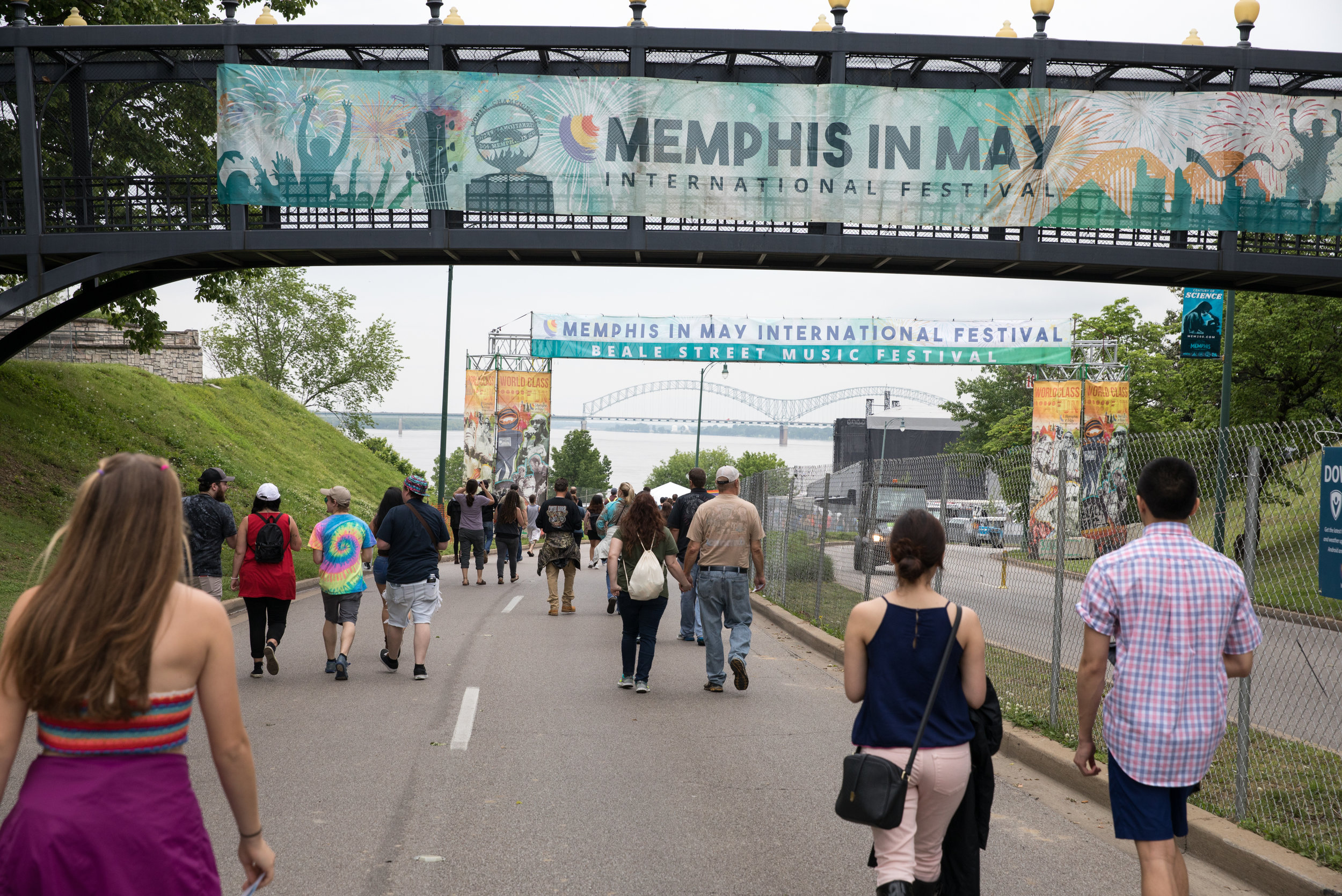 Memphis-In-May_Beale-Street-Music-Festival_Bridge-Banners_Events_LSIGraphics_Memphis-TN ..