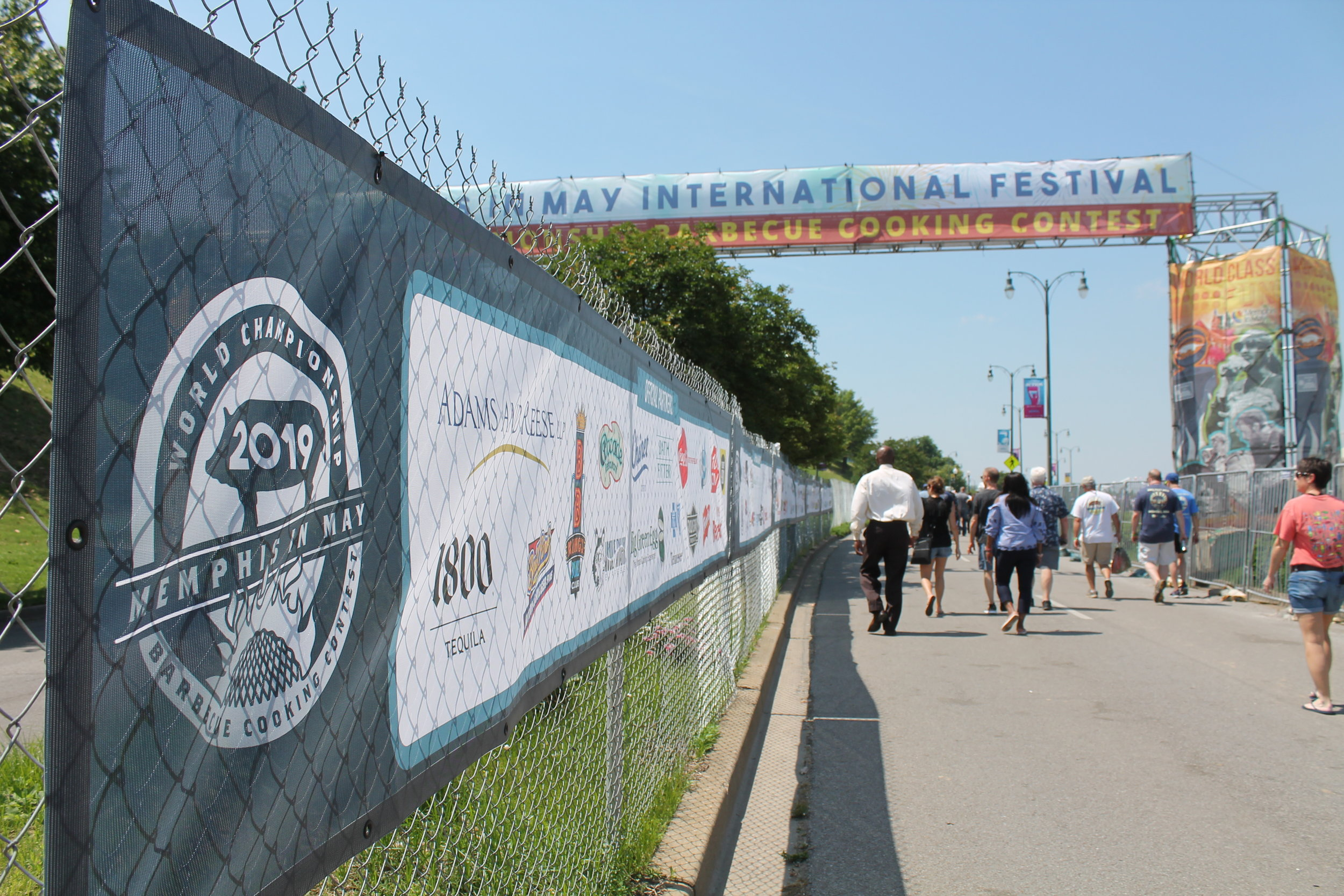 Memphis-In-May_World-Championship-Barbecue-Cooking-Contest_Fence-Mesh-Banners_Events_LSIGraphics_Memphis-TN ..