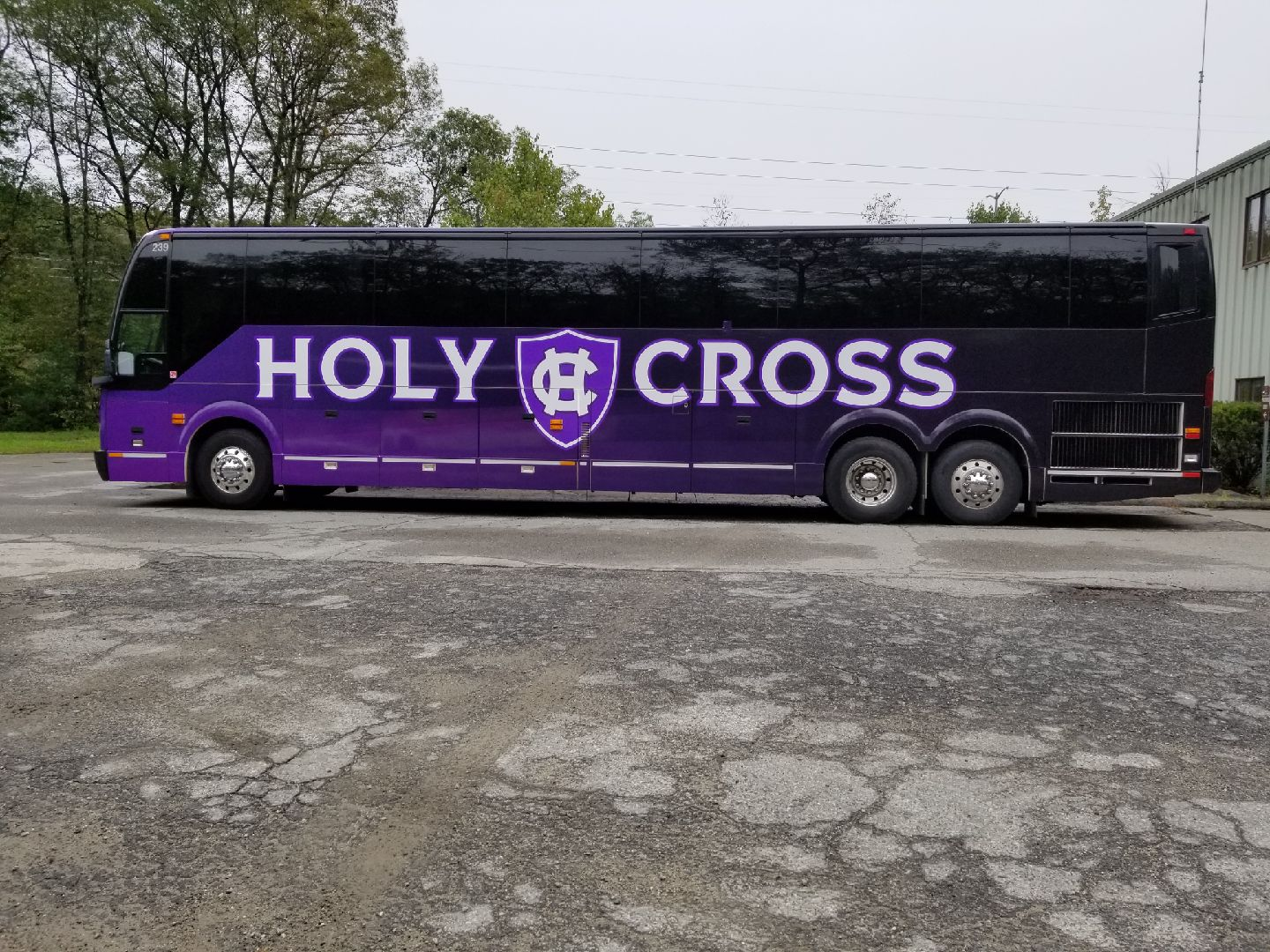 College-of-the-Holy-Cross_Team-Bus_Bus-Wrap_LSIGraphics_Providence-RI-2 ..