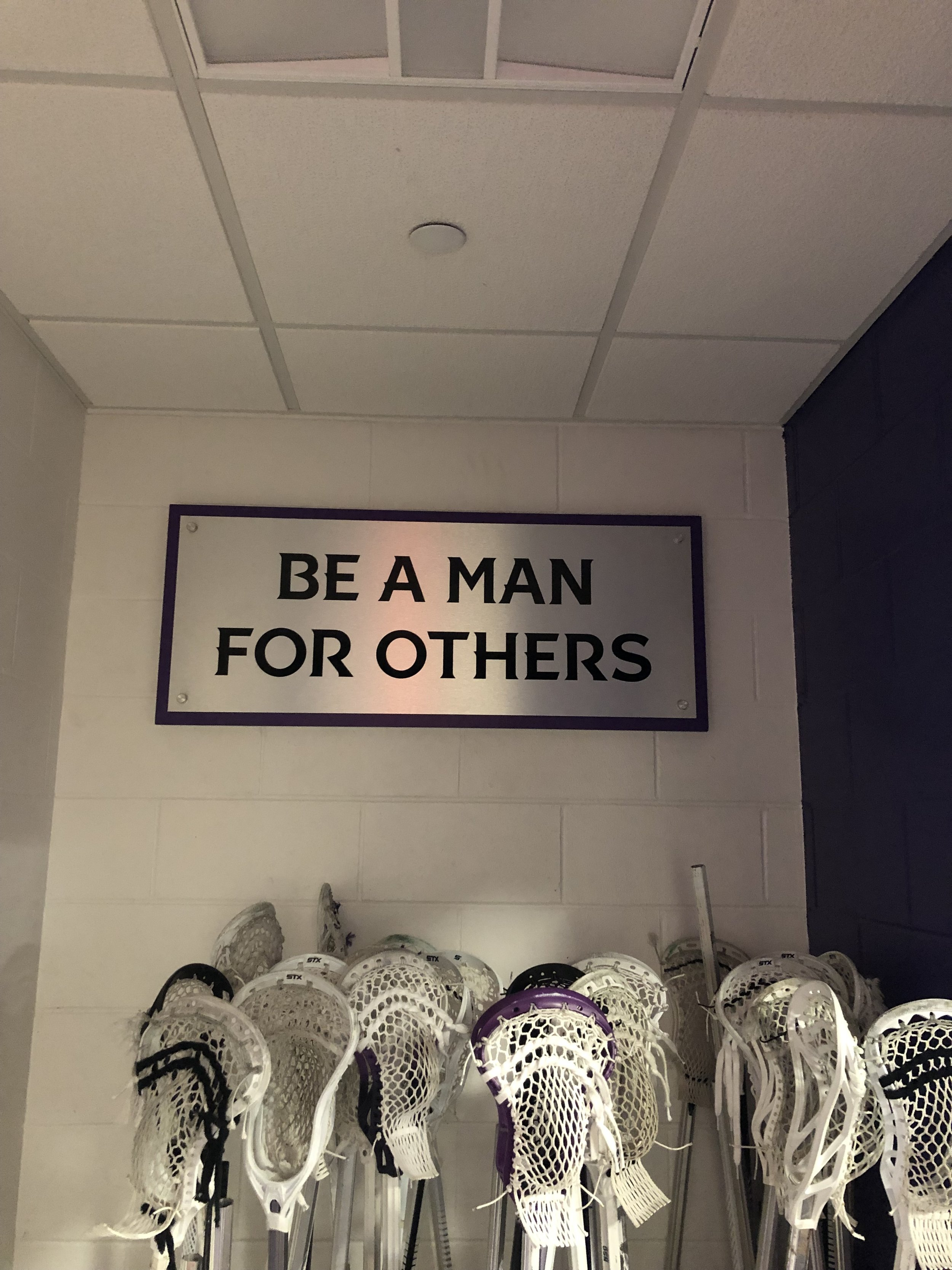 College-of-the-Holy-Cross_Mens-Lacrosse-Locker-Room_LSIGraphics_Providence-RI-5 ..