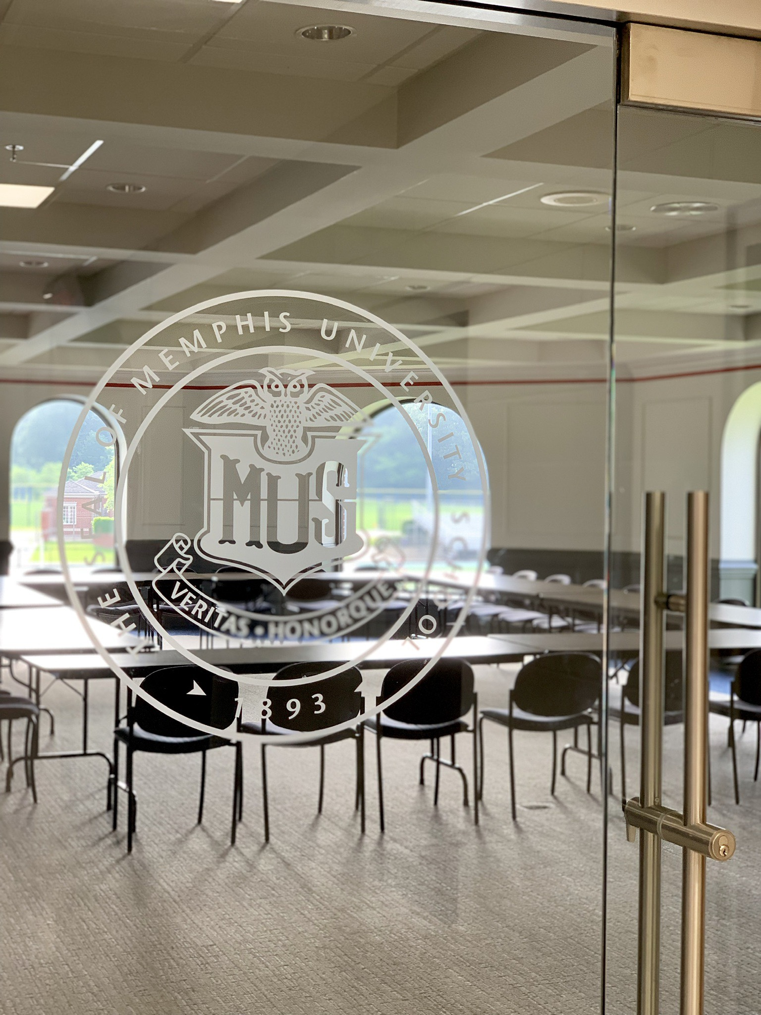Memphis-University-School_Etched-Glass-Logo_LSIGraphics_Memphis-TN-1 ..