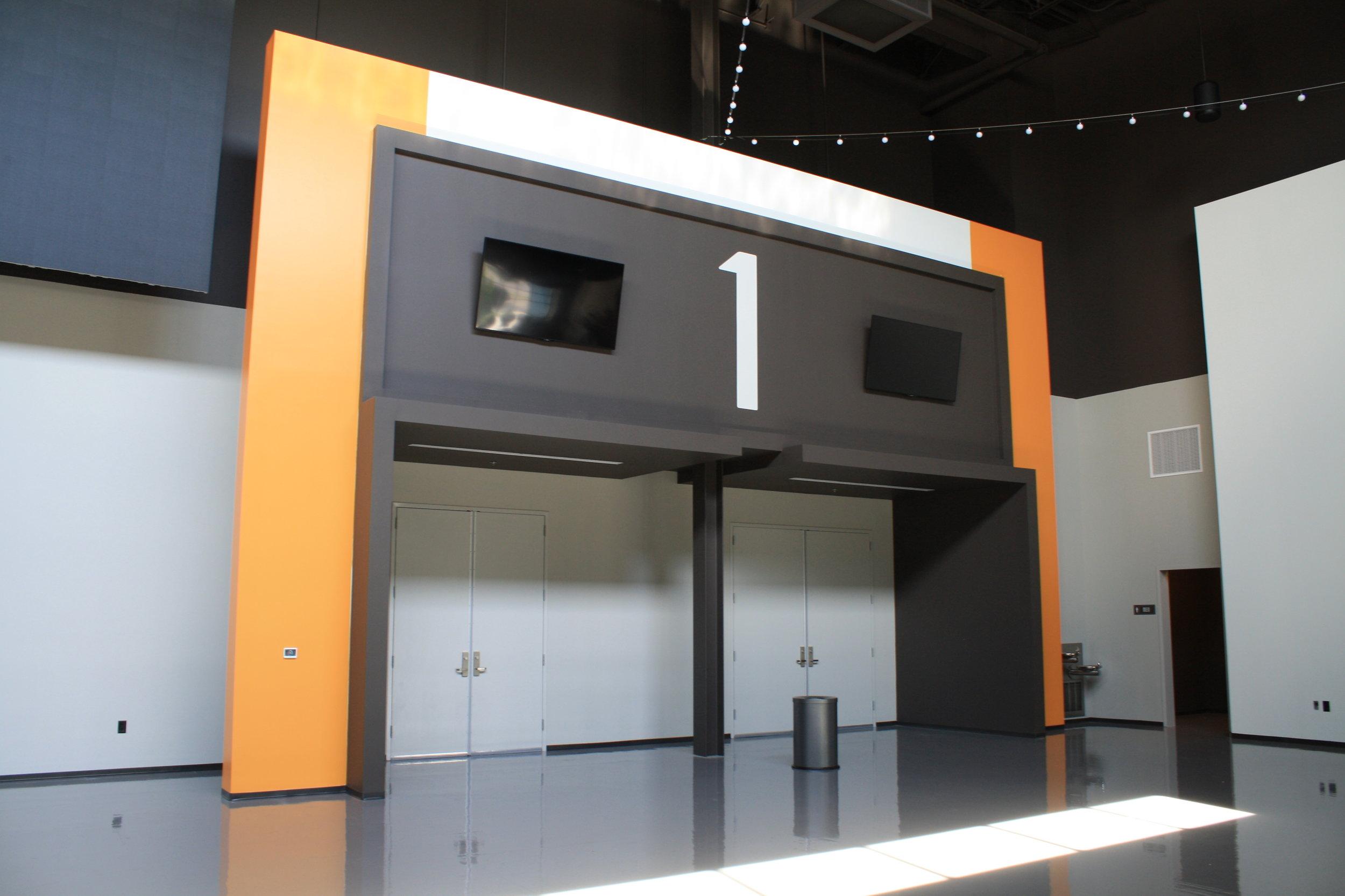 Graceland_Graceland-Exhibition-Center_Exhibit-Entrances_LSIGraphics_Memphis-TN-1 ..