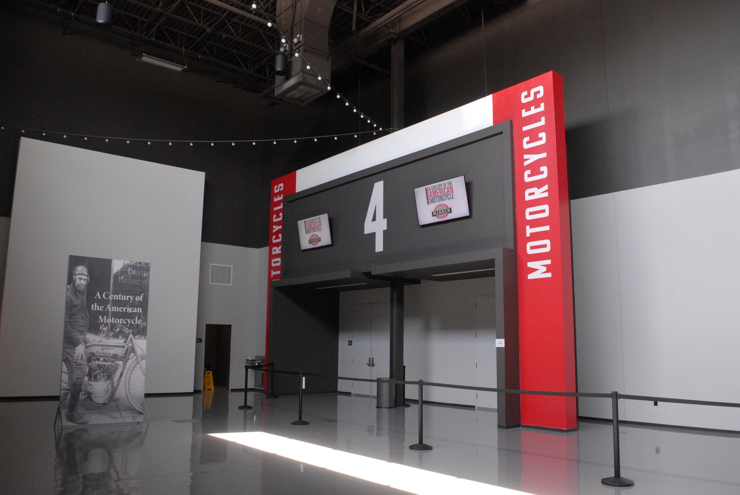 Graceland_Graceland-Exhibition-Center_Exhibit-Entrances_LSIGraphics_Memphis-TN-4 ..