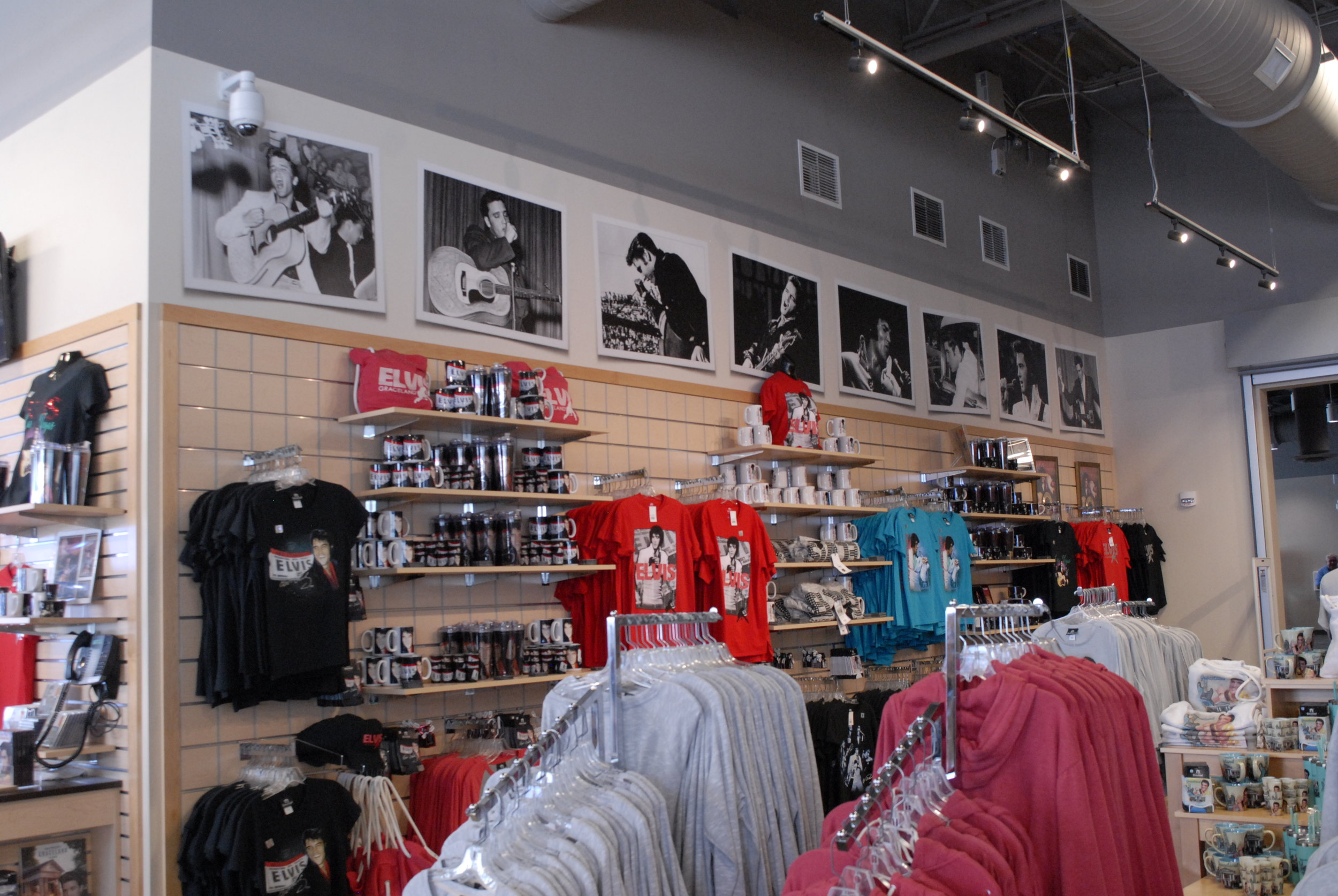 Graceland_Gift-Shop_Wall-Posters_LSIGraphics_Memphis-TN-1 ..