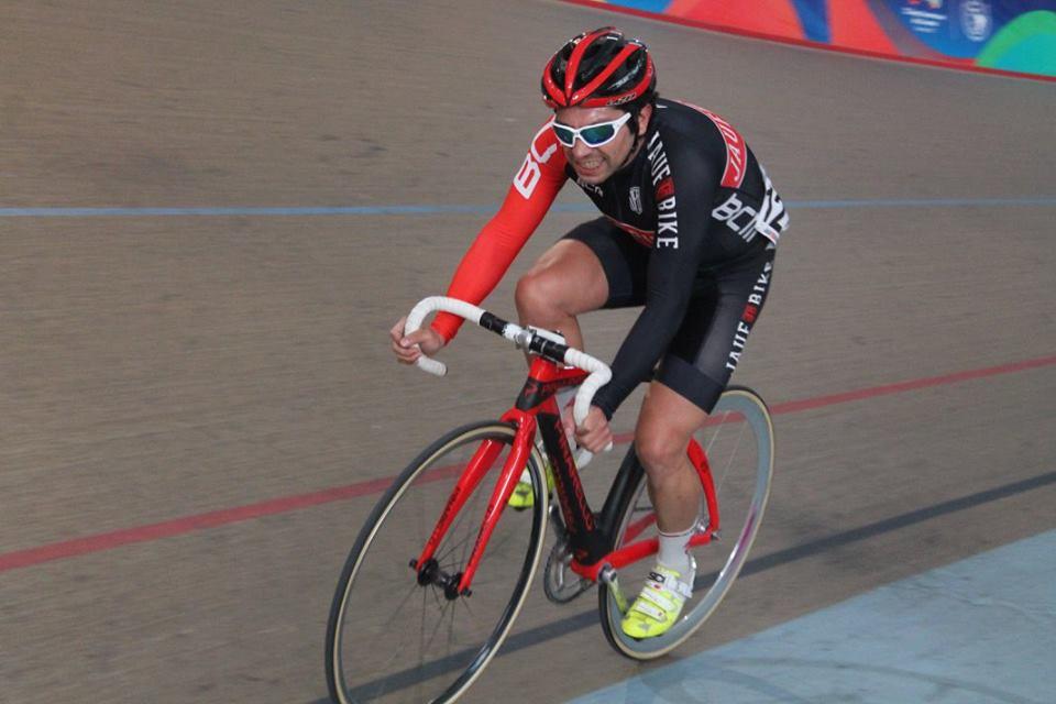 Juan Urrutia F. - Corredor elite - Ciclismo Ruta & Pista.