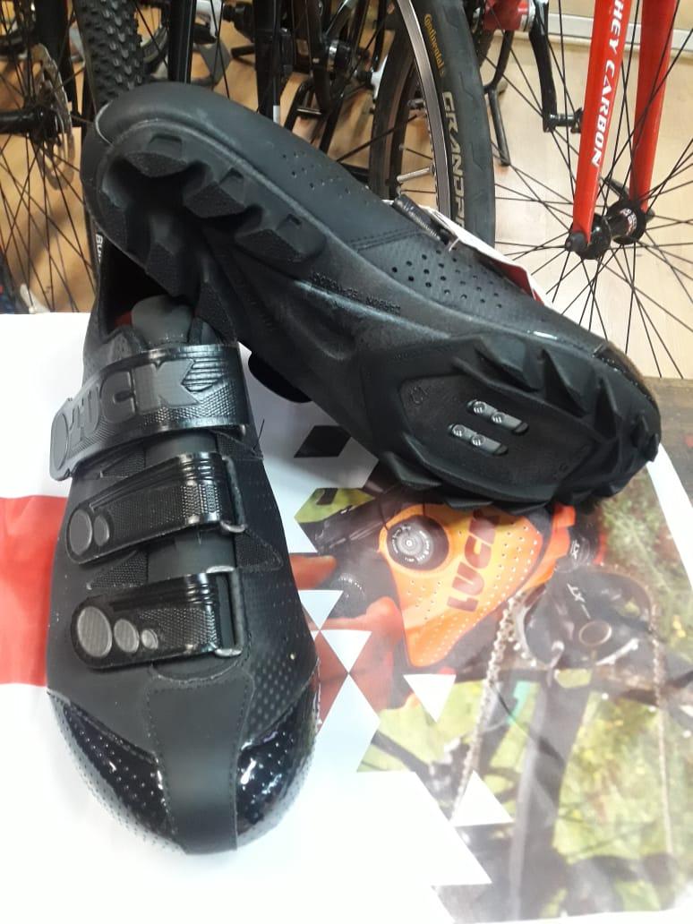 Zapatilla Matrix Negro $89.000.-