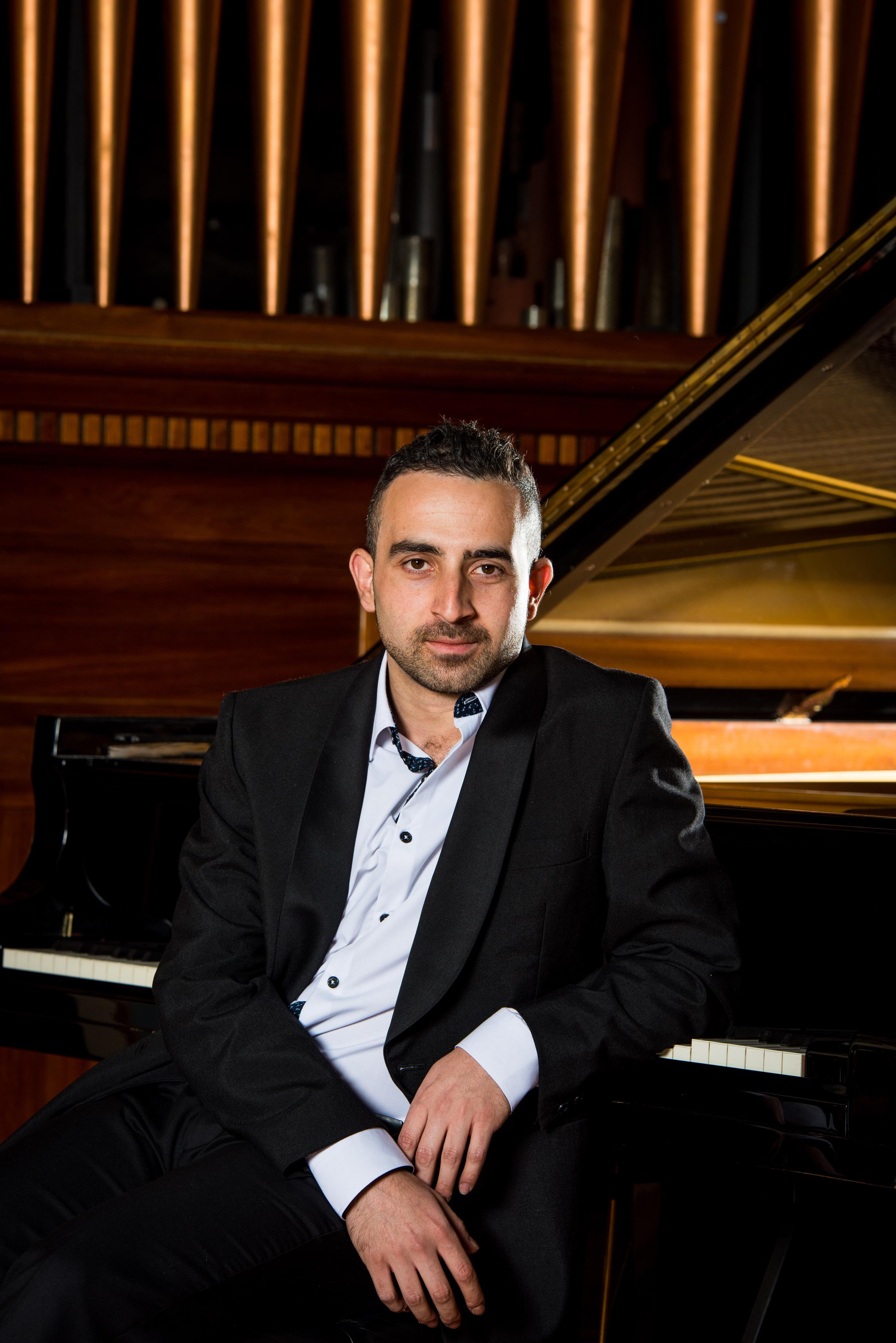 HAYDN Sonata in B Minor, Hob. XVI/32Vatche Jambazian, piano -