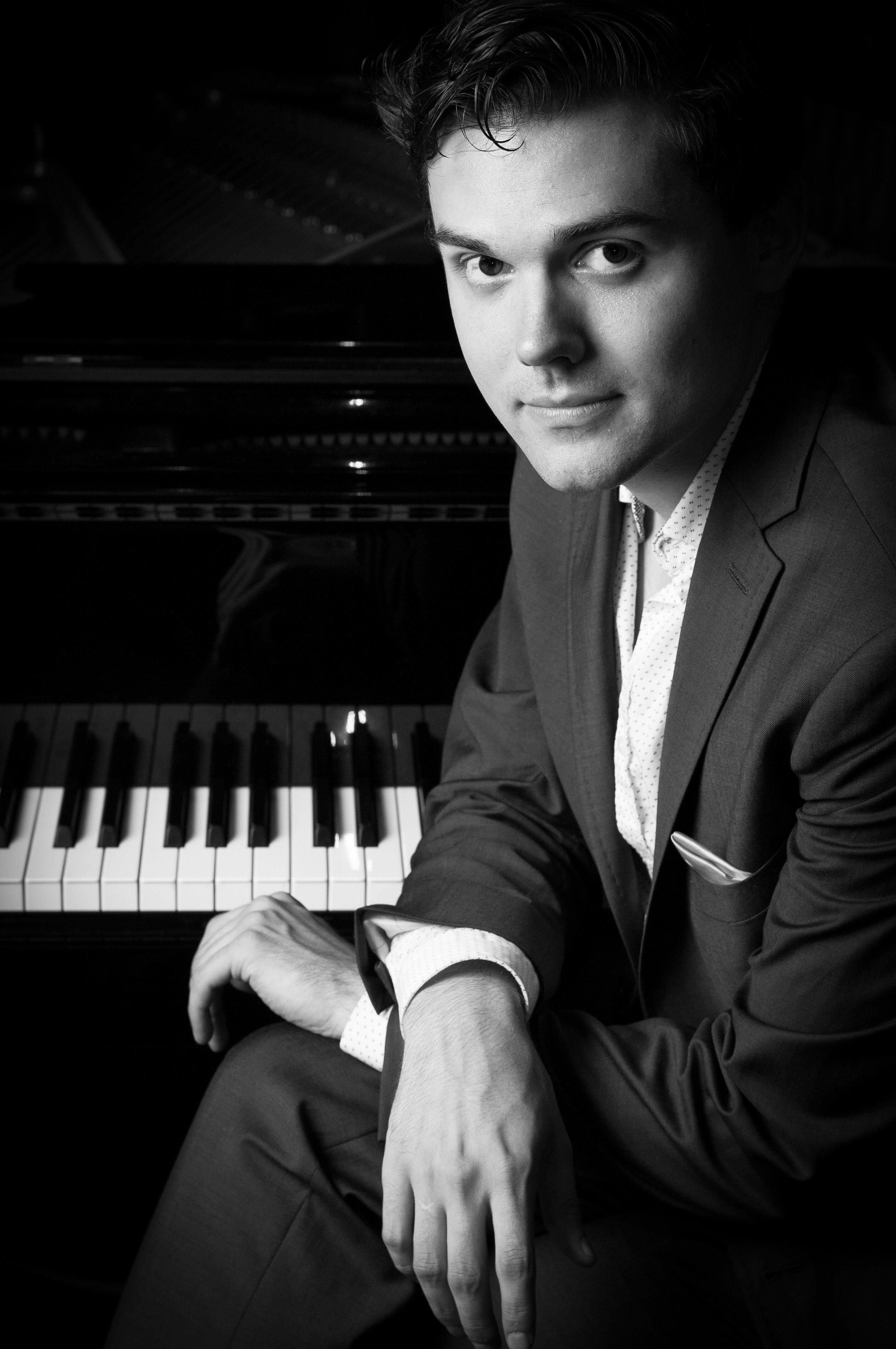 CHOPIN Étude in E Minor, Op. 25 No. 5;Scherzo No. 4 in E Major, Op. 54 - Jarred Dunn, piano